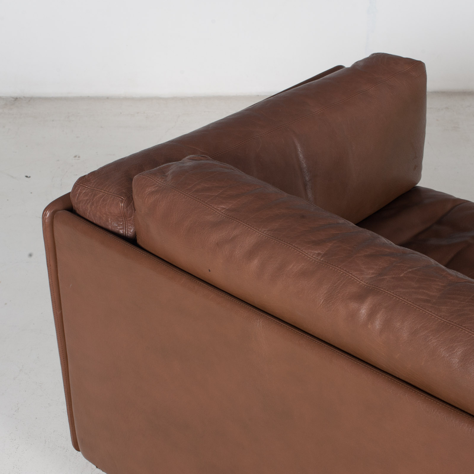 2 Seater Sofa In Brown Leather, 1960s, Switzerland 12