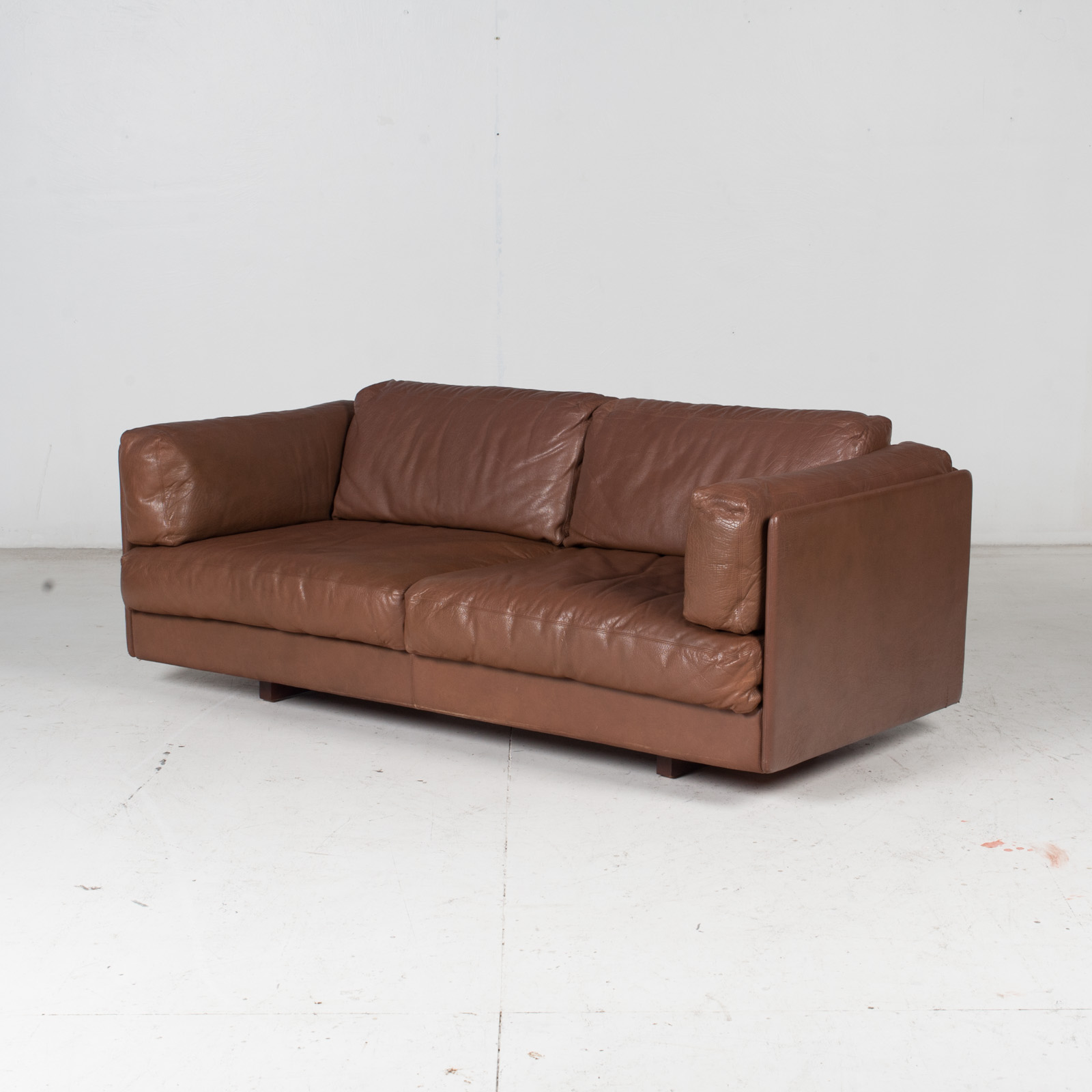 2 Seater Sofa In Brown Leather, 1960s, Switzerland 4