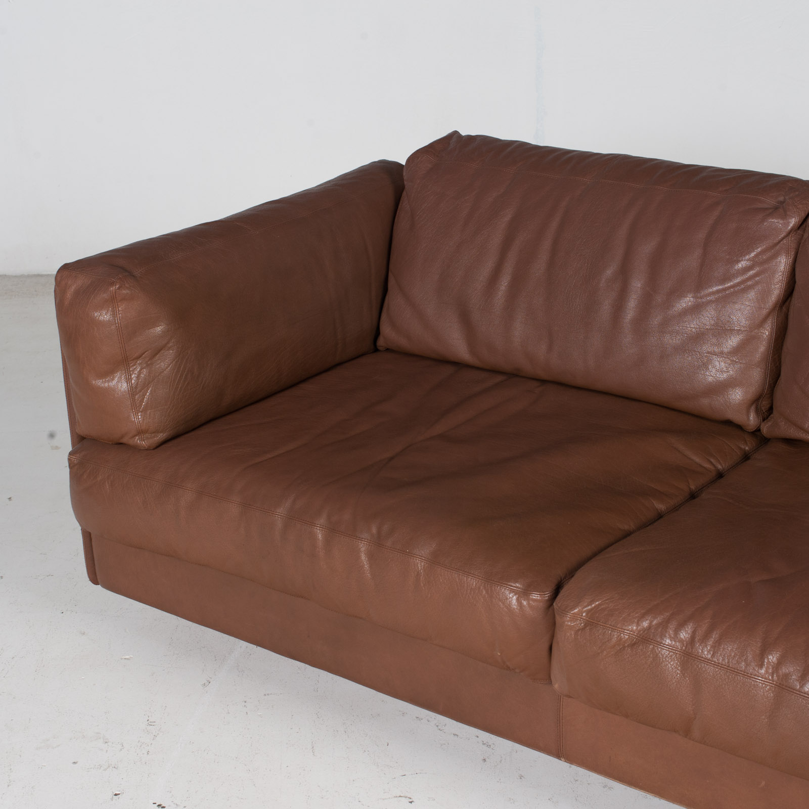 2 Seater Sofa In Brown Leather, 1960s, Switzerland 5