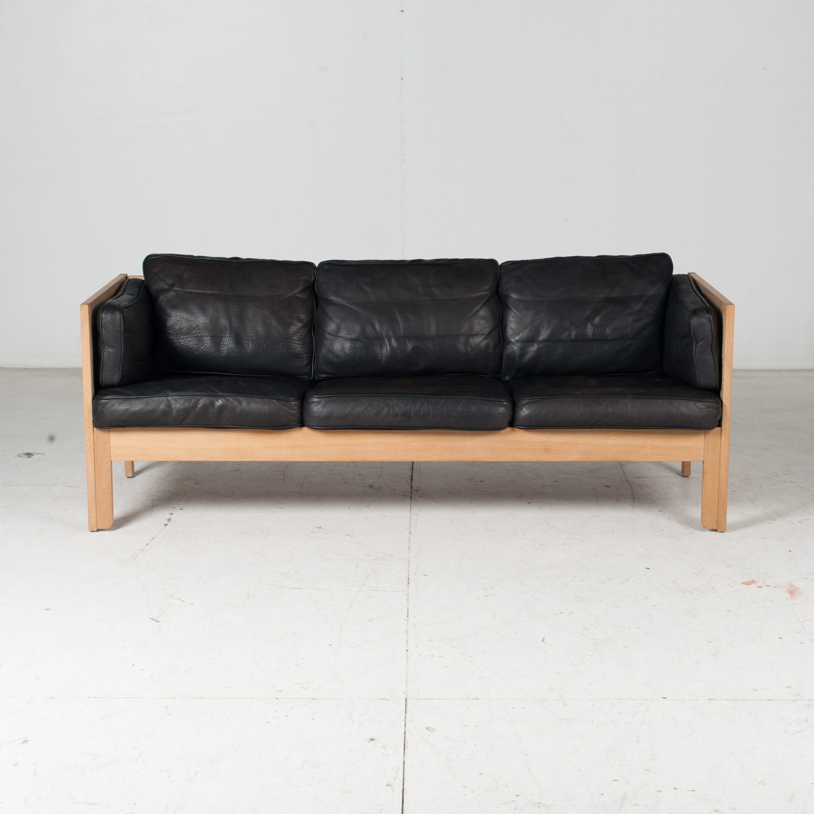 3 Seat Sofa By Borge Mogensen For Frederica In Black Leather And Oak, 1960s, Denmark 2
