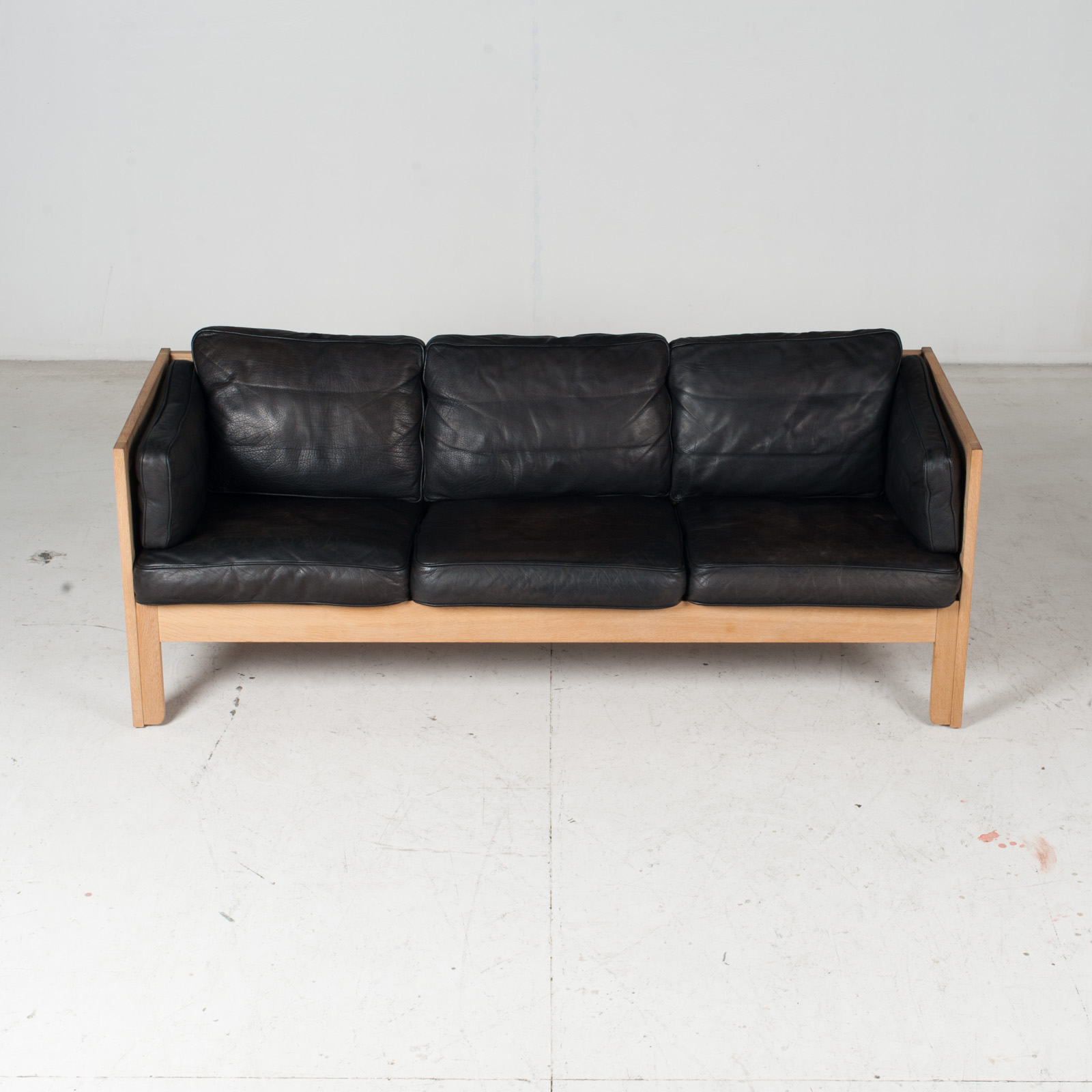 3 Seat Sofa By Borge Mogensen For Frederica In Black Leather And Oak, 1960s, Denmark 3
