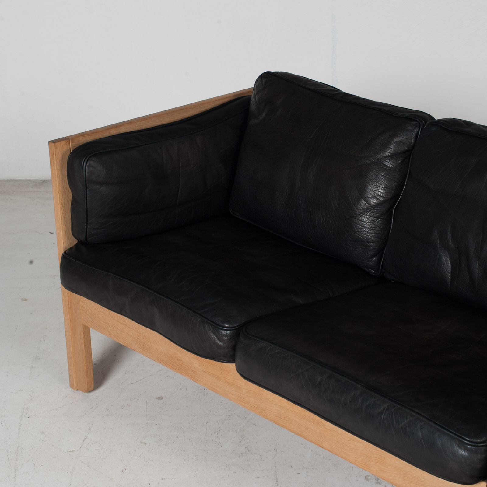 3 Seat Sofa By Borge Mogensen For Frederica In Black Leather And Oak, 1960s, Denmark 5
