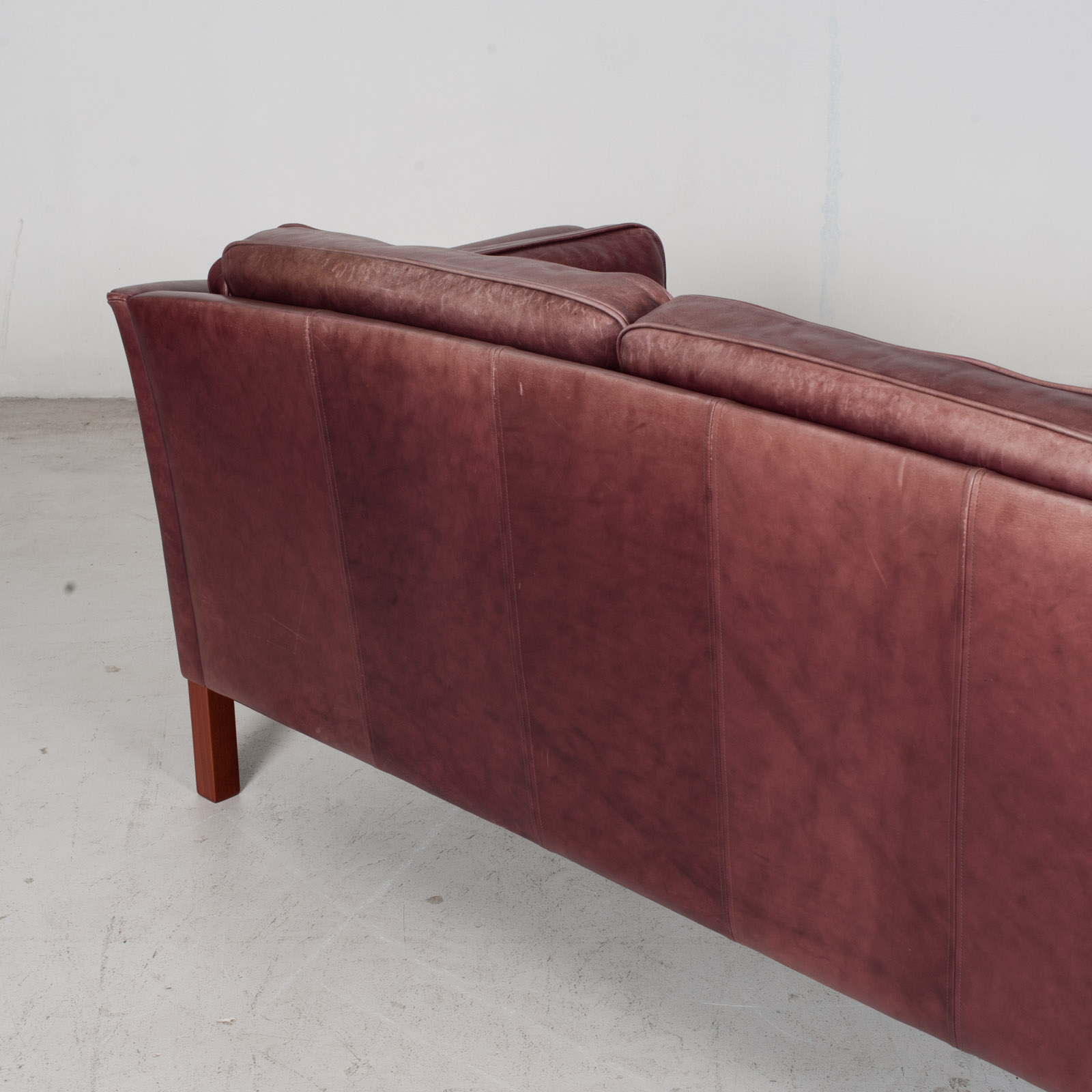 3 Seat Sofa By Mogens Hansen In Red Leather, 1960s, Denmark 9