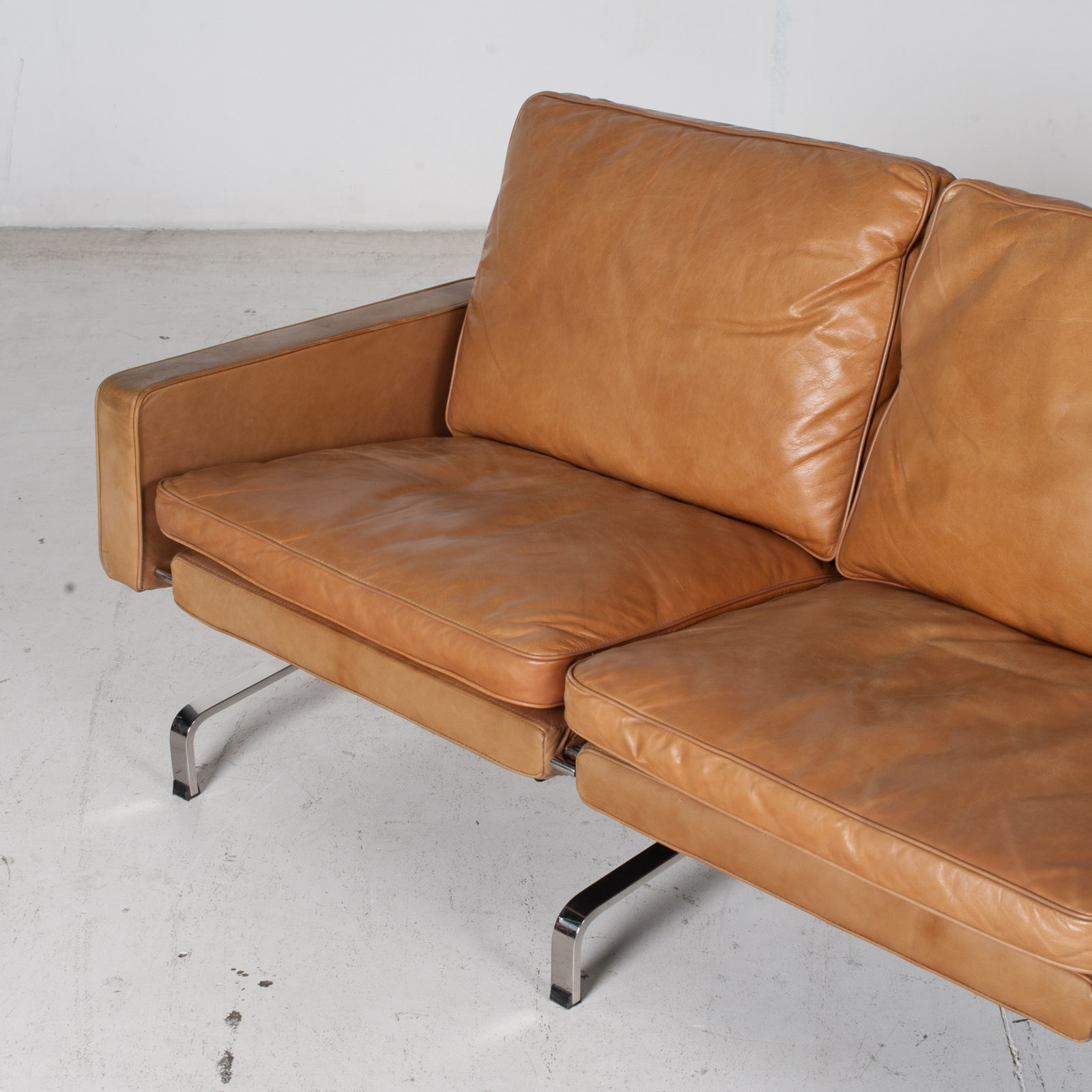 3 Seat Sofa By Poul Kjaerholm For Ejvind Kold Christensen In Tan Leather And Chrome, 1960s, Denmark 5