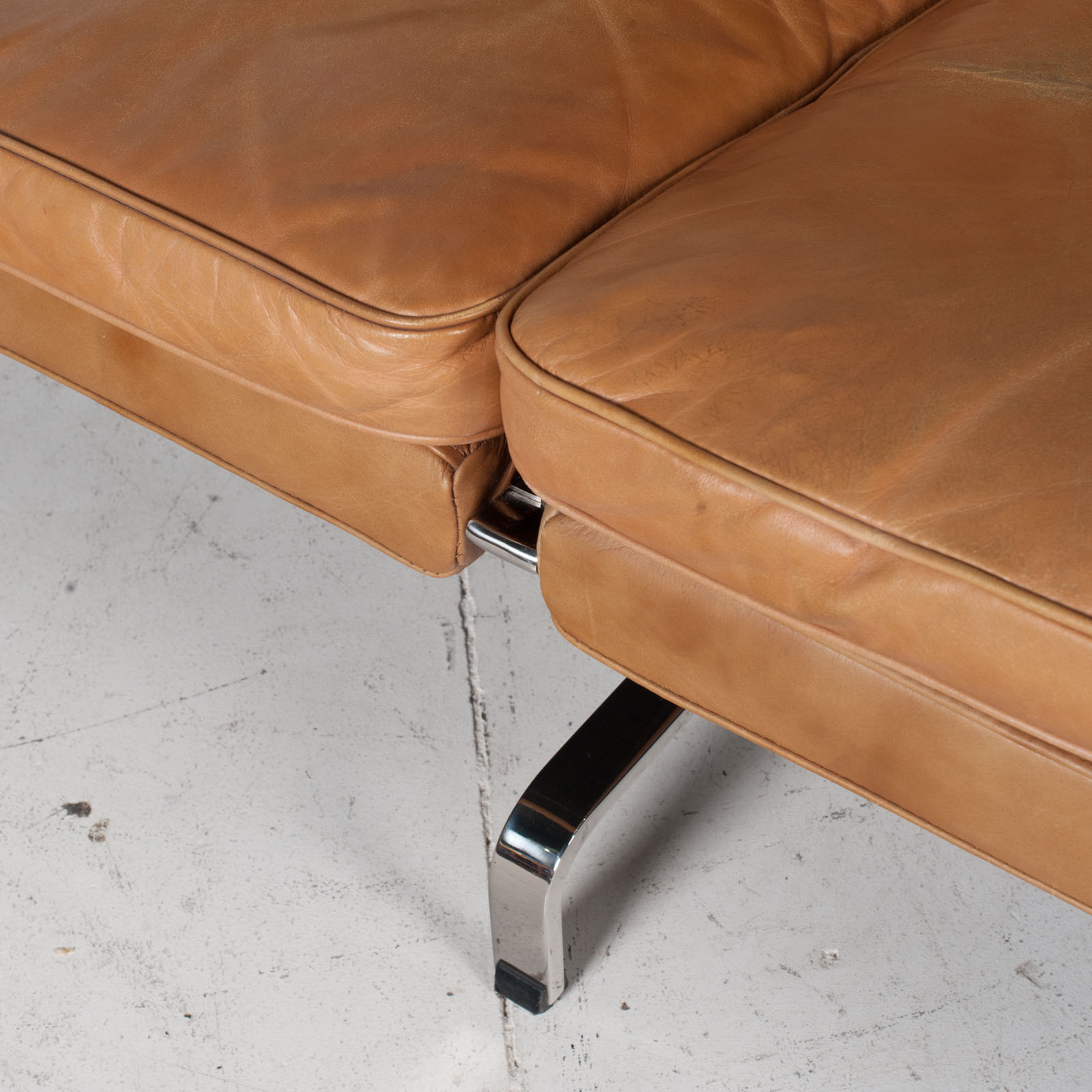 3 Seat Sofa By Poul Kjaerholm For Ejvind Kold Christensen In Tan Leather And Chrome, 1960s, Denmark 7