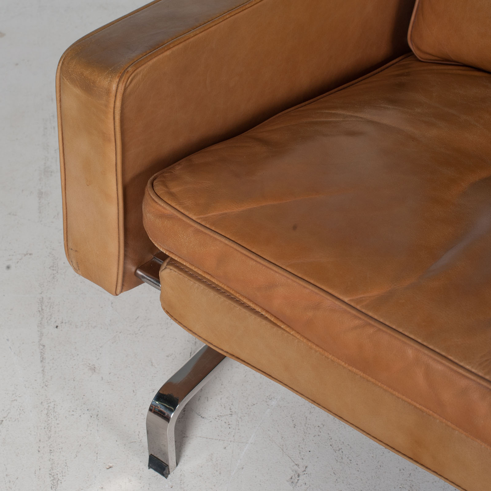 3 Seat Sofa By Poul Kjaerholm For Ejvind Kold Christensen In Tan Leather And Chrome, 1960s, Denmark 8