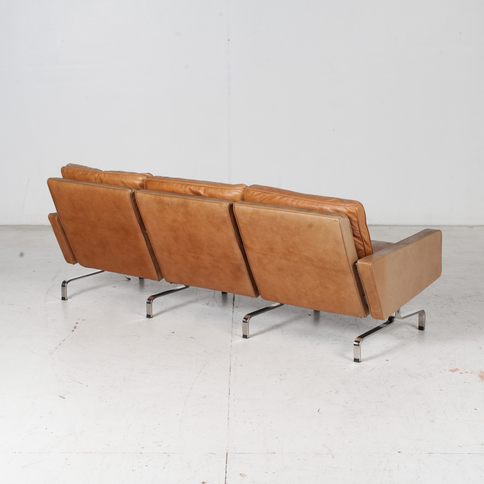 3 Seat Sofa By Poul Kjaerholm For Ejvind Kold Christensen In Tan Leather And Chrome, 1960s, Denmark 9