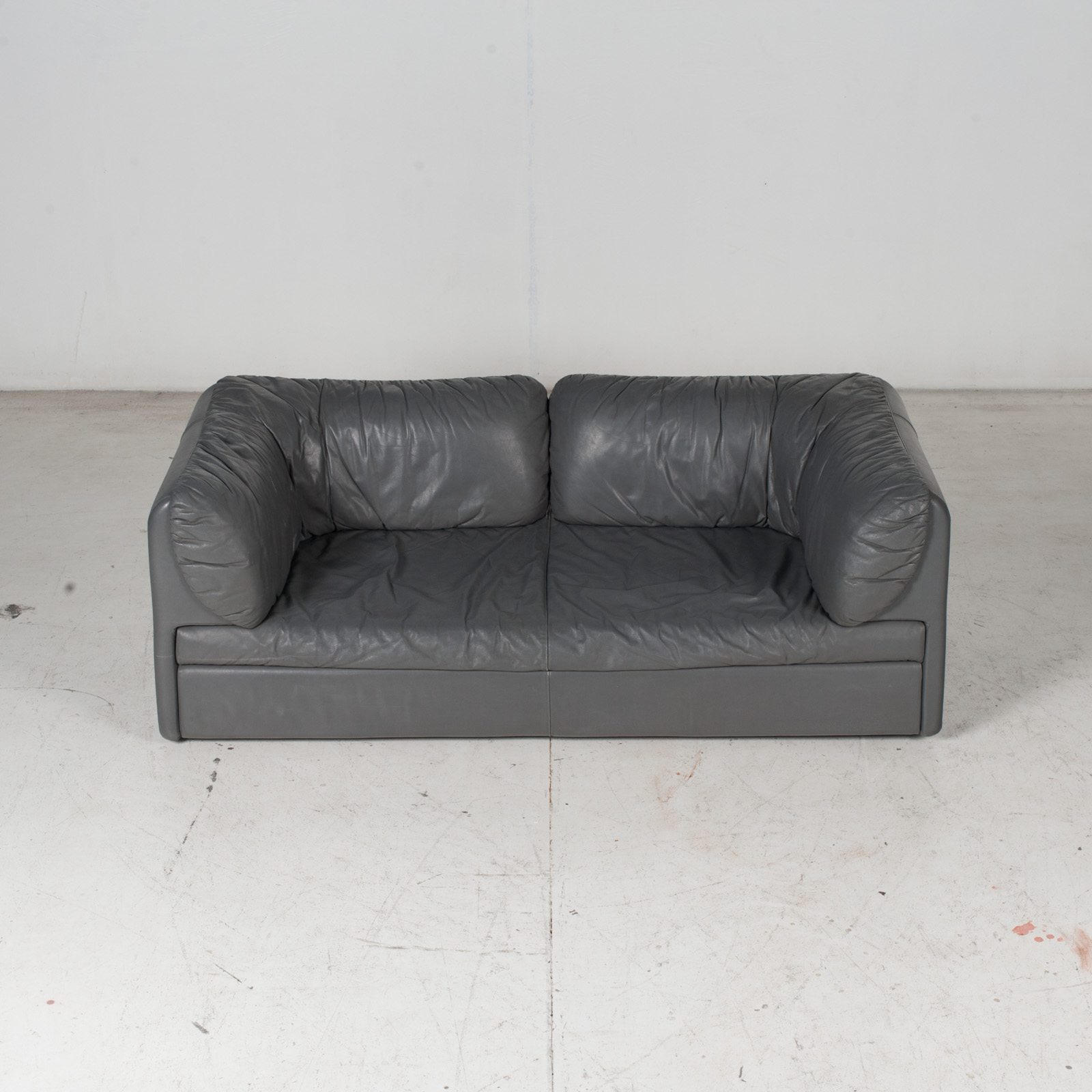 Model Pacific 2.5 Seat Sofa By Cini Boeri For Arflex In Grey Leather, 1980s, Italy 3