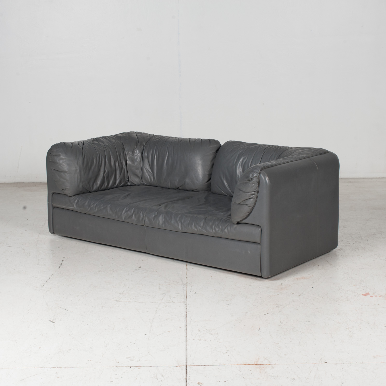 Model Pacific 2.5 Seat Sofa By Cini Boeri For Arflex In Grey Leather, 1980s, Italy 4