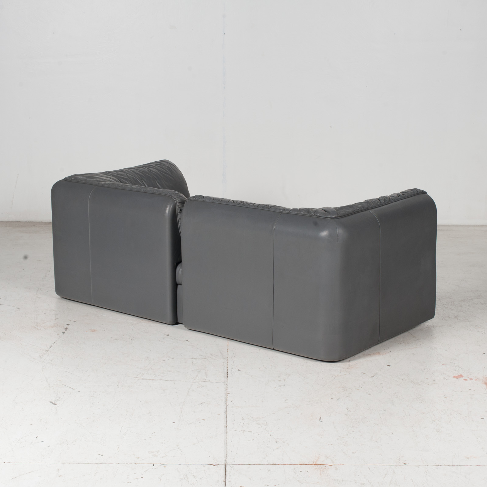 Model Pacific 2.5 Seat Sofa By Cini Boeri For Arflex In Grey Leather, 1980s, Italy 8