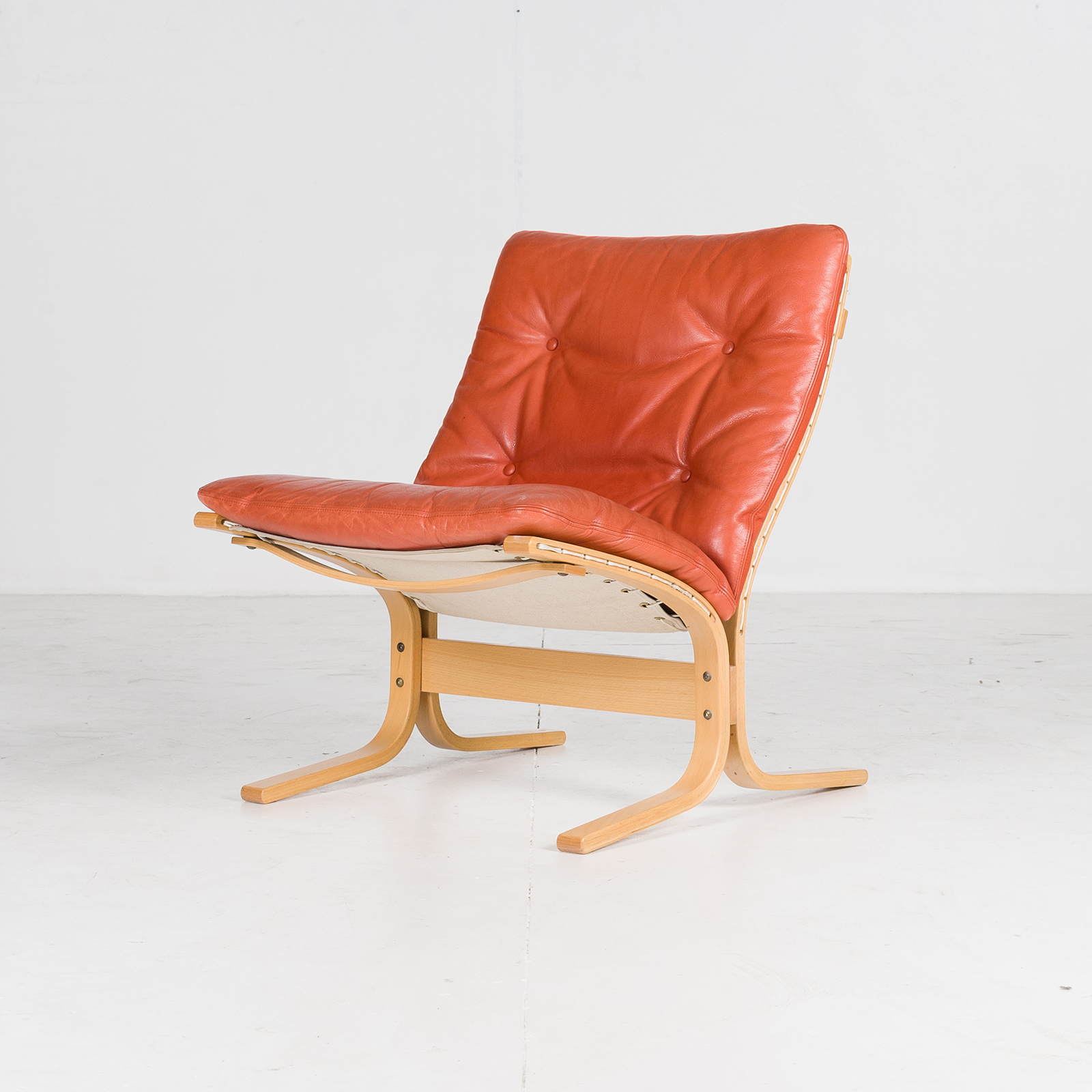 Low Back Siesta Armchair By Ingmar Relling In Tangerine Leather, 1960s, Netherlands66