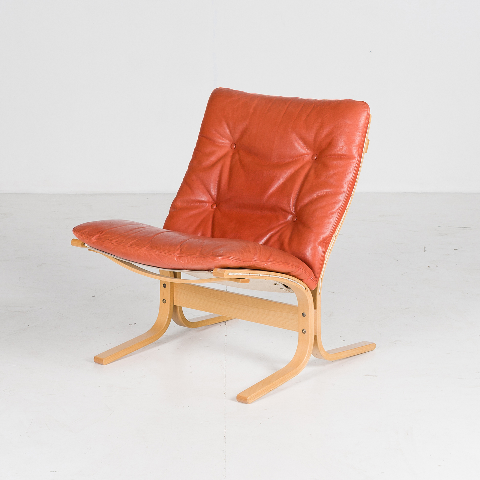 Low Back Siesta Armchair By Ingmar Relling In Tangerine Leather, 1960s, Netherlands67