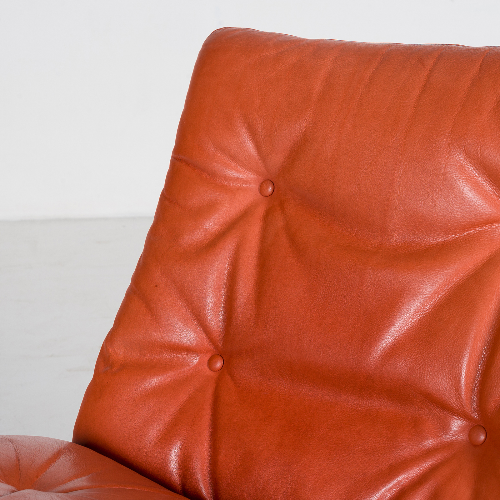 Low Back Siesta Armchair By Ingmar Relling In Tangerine Leather, 1960s, Netherlands68
