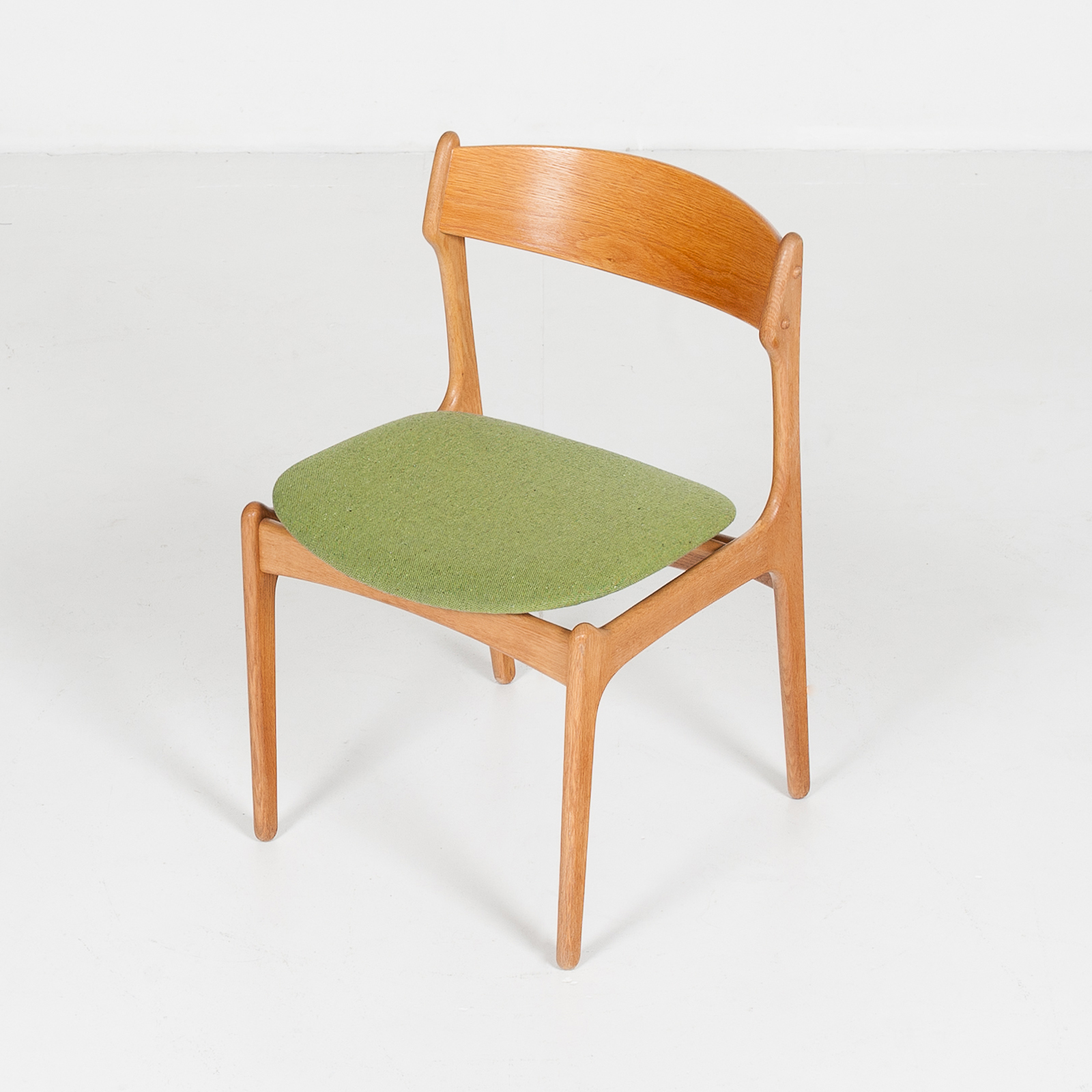 Set Of Four Dining Chairs By Erik Buch For O.d. Mobler In Oak And Green Upholstery, 1960s, Denmark80