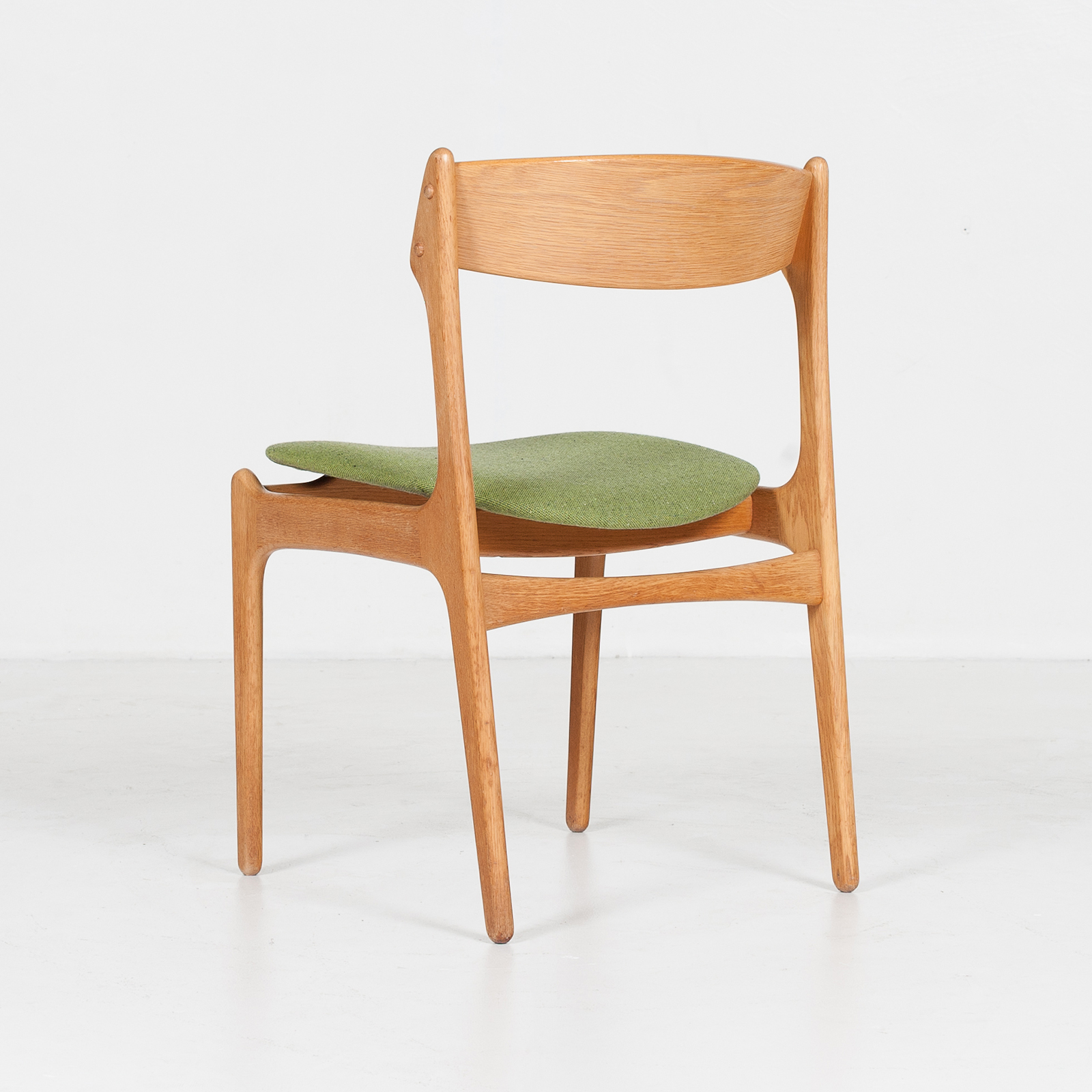 Set Of Four Dining Chairs By Erik Buch For O.d. Mobler In Oak And Green Upholstery, 1960s, Denmark85