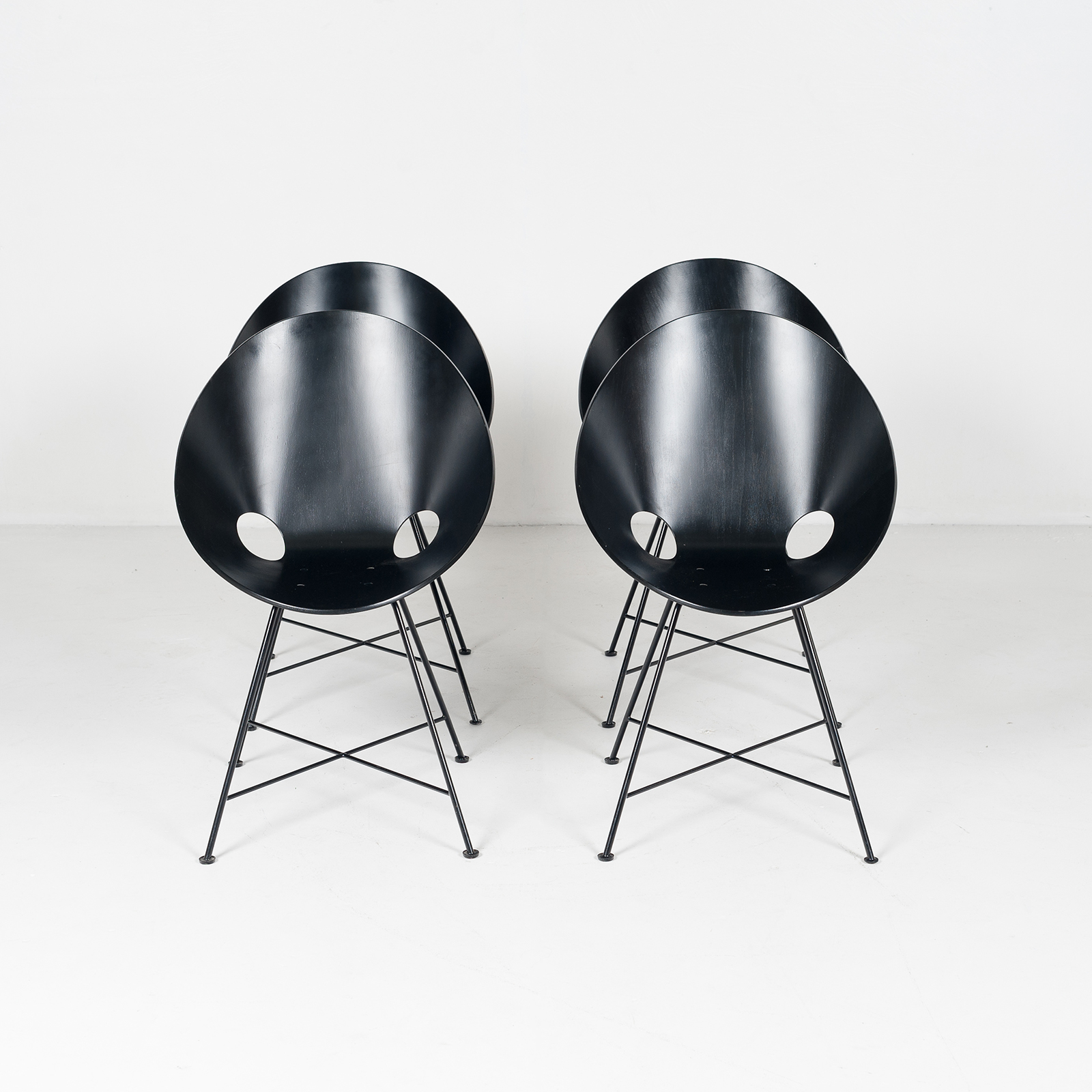 Set Of 4 Thonet Chairs In Black (mt Dc 194 604 Ge) 99