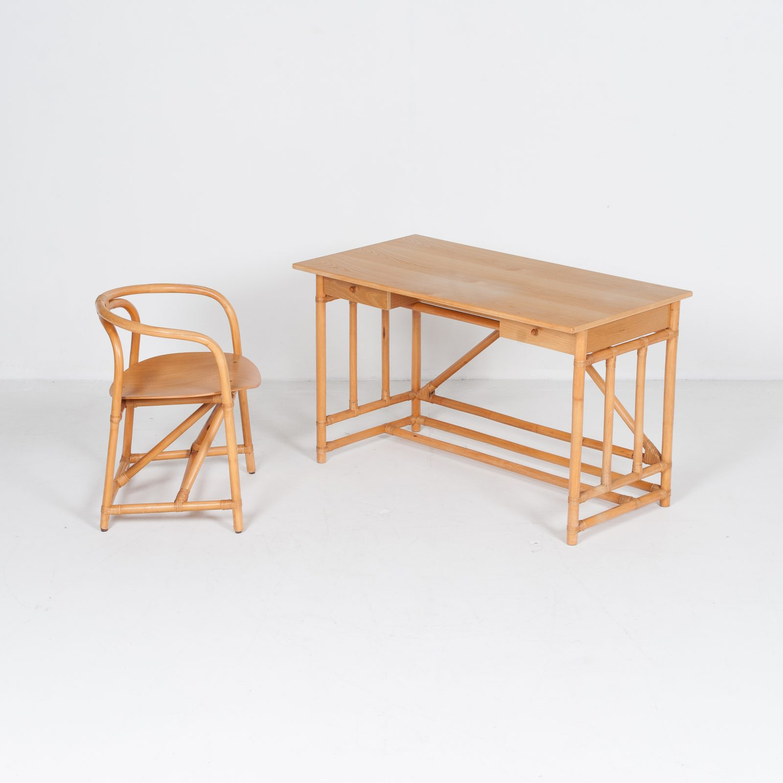 Desk And Chair In Bamboo (mt De 194 705 It)22