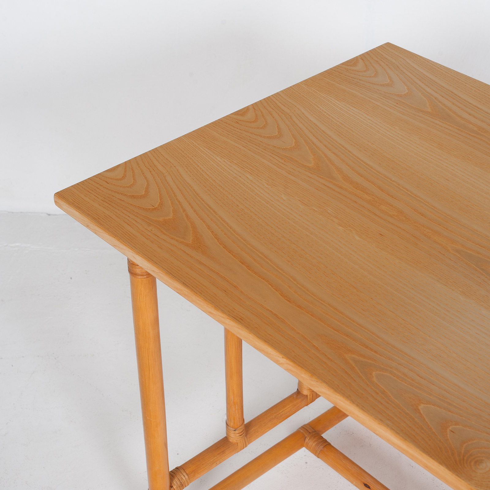 Desk And Chair In Bamboo (mt De 194 705 It)25