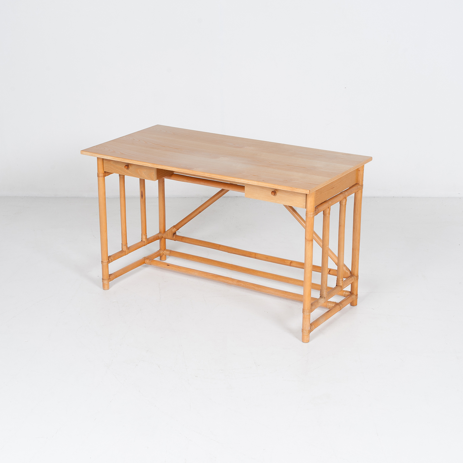 Desk And Chair In Bamboo (mt De 194 705 It)34