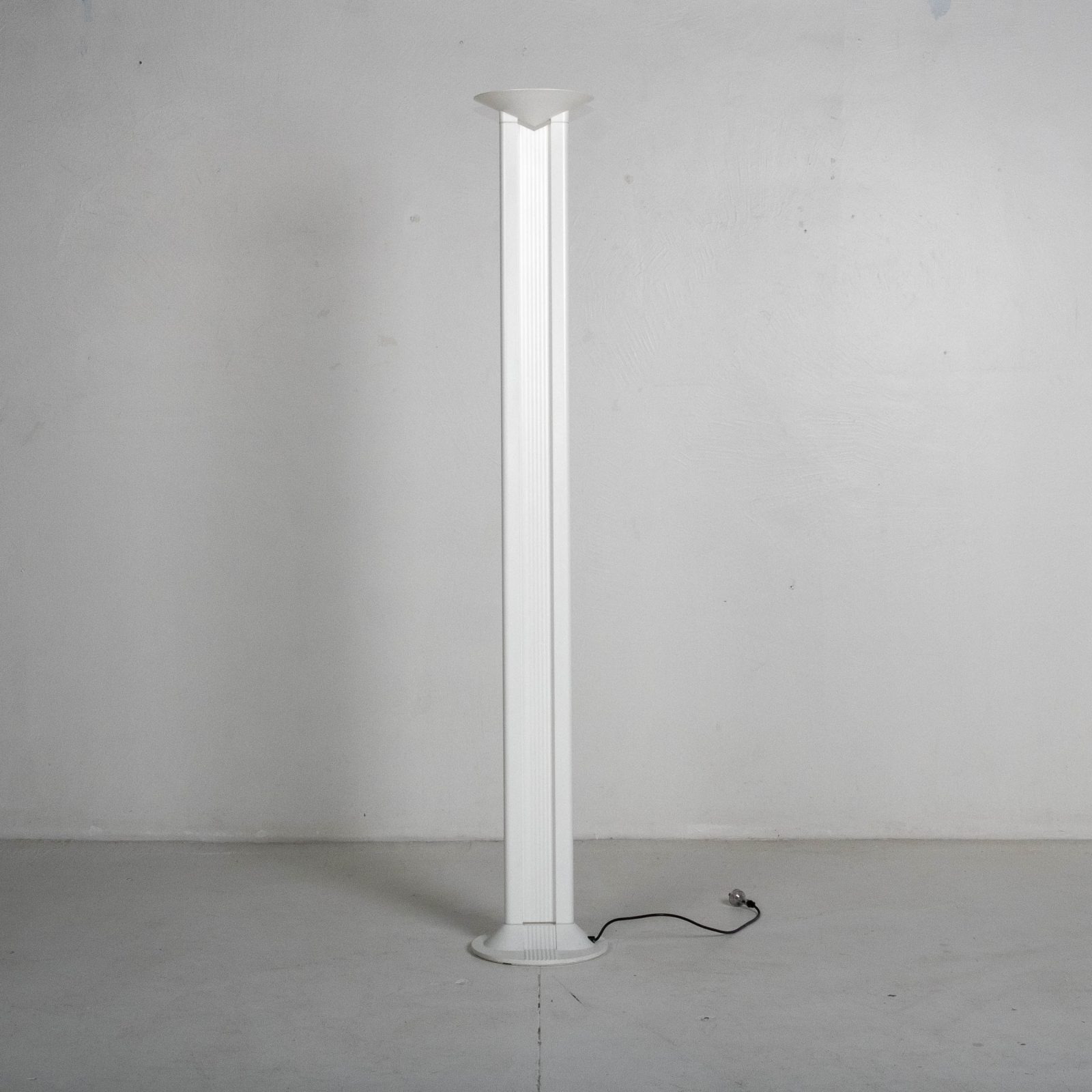 Floor Lamp In White Metal, 1950s, Italy Heroshot