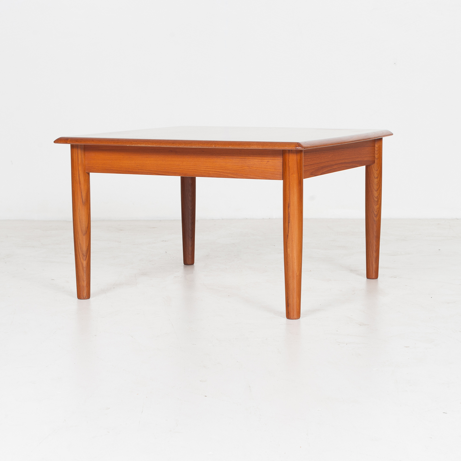 Square Coffee Table in Teak, 1960s, Denmark - Modern Times