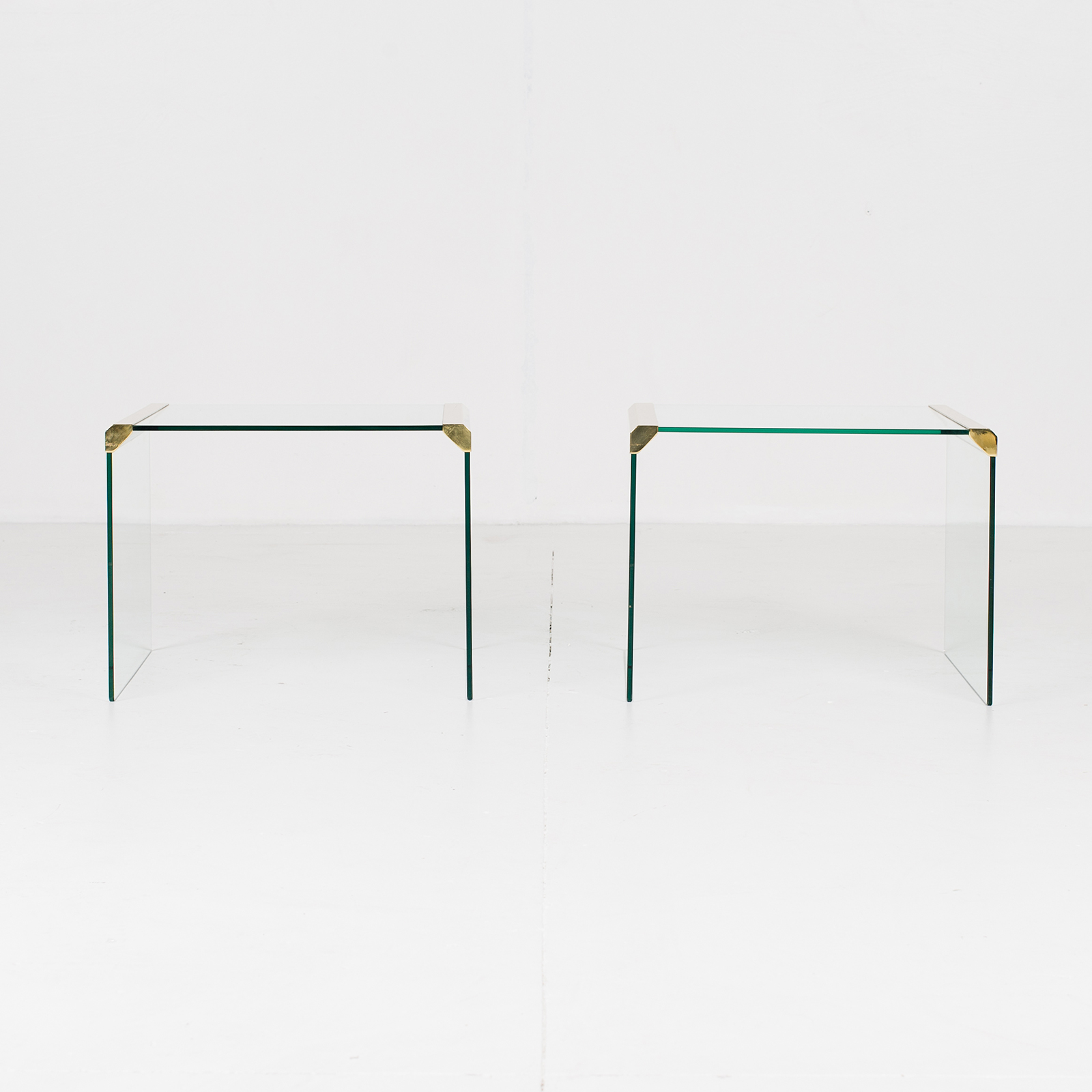Waterfall Side Table By Pace In Glass And Anodised Brass, 1970s, United States10