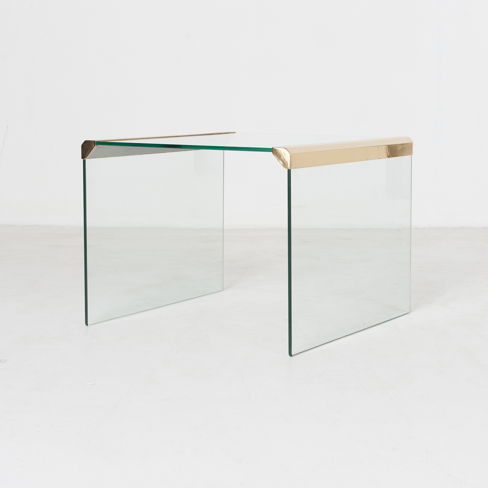 Waterfall Side Table By Pace In Glass And Anodised Brass, 1970s, United States902