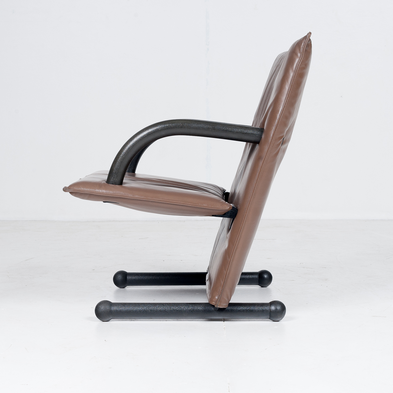 Model T Line Chair In By Burkhard Vogtherr For Arflex In Brown Leather, 1980s, Italy70
