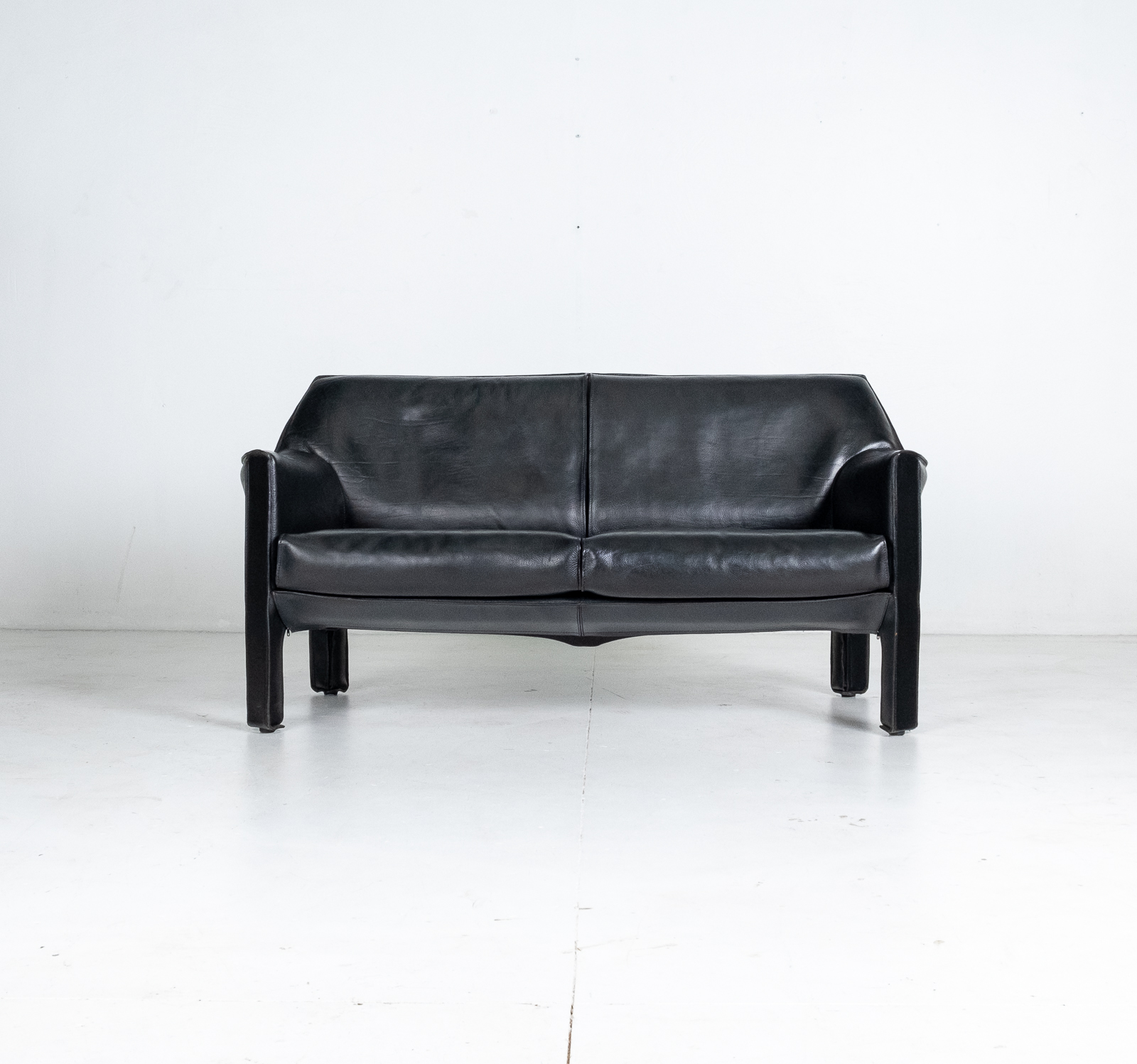 Model 415 Cab 2 Seat Sofa By Mario Bellini For Cassina In Black Leather, 1987, Italy 00001