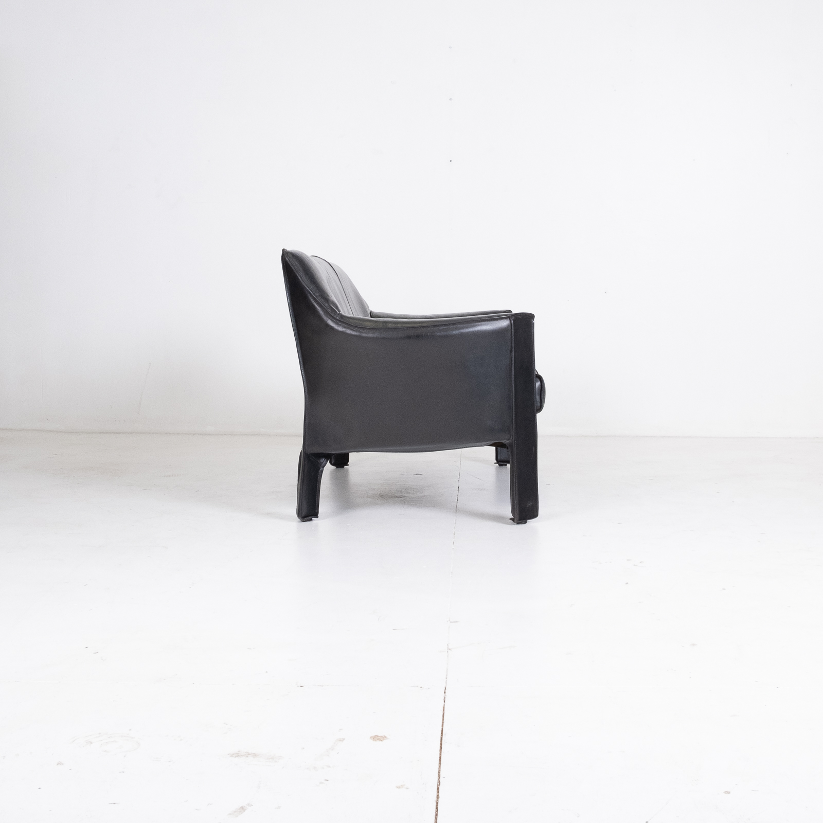 Model 415 Cab 2 Seat Sofa By Mario Bellini For Cassina In Black Leather, 1987, Italy 00002