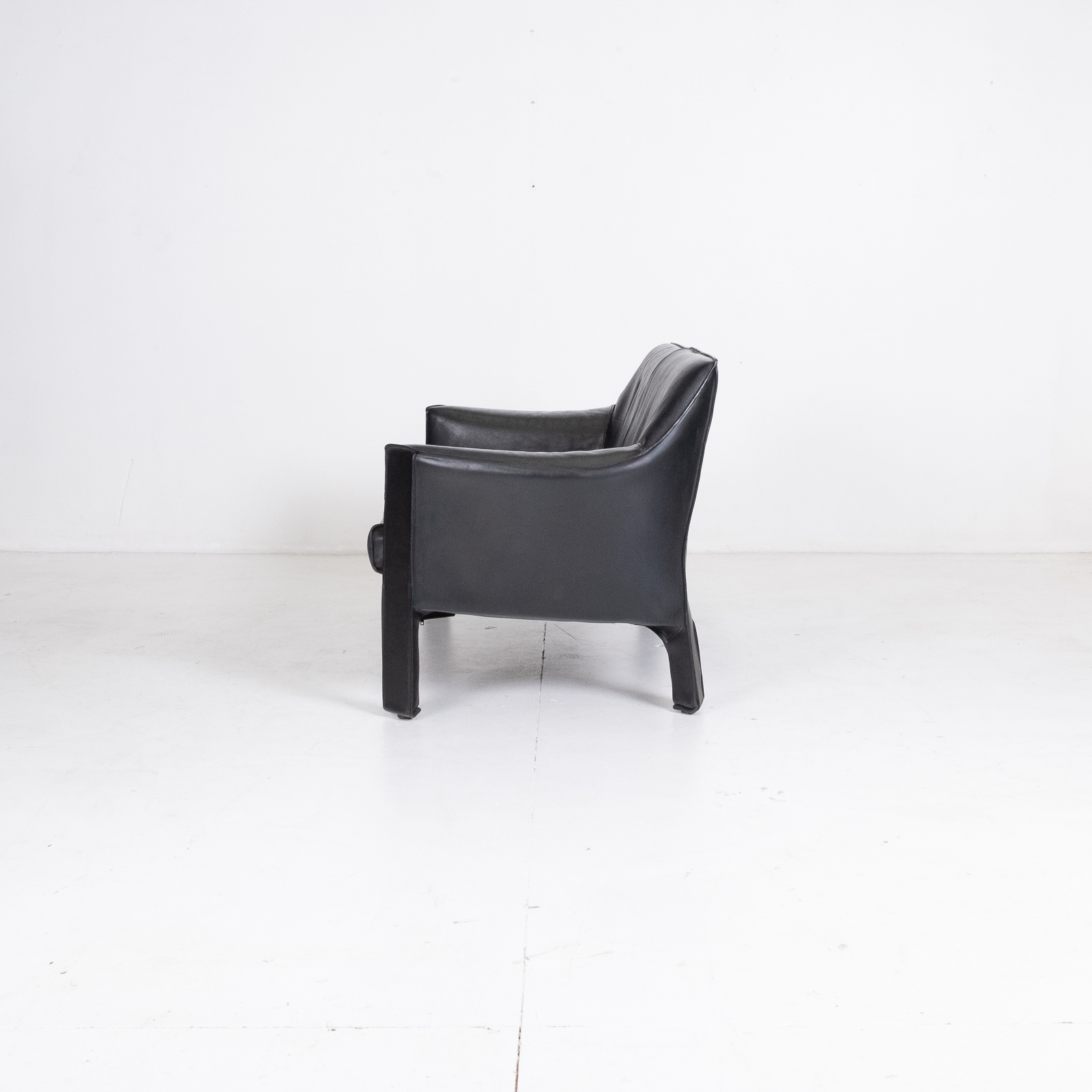 Model 415 Cab 2 Seat Sofa By Mario Bellini For Cassina In Black Leather, 1987, Italy 00004