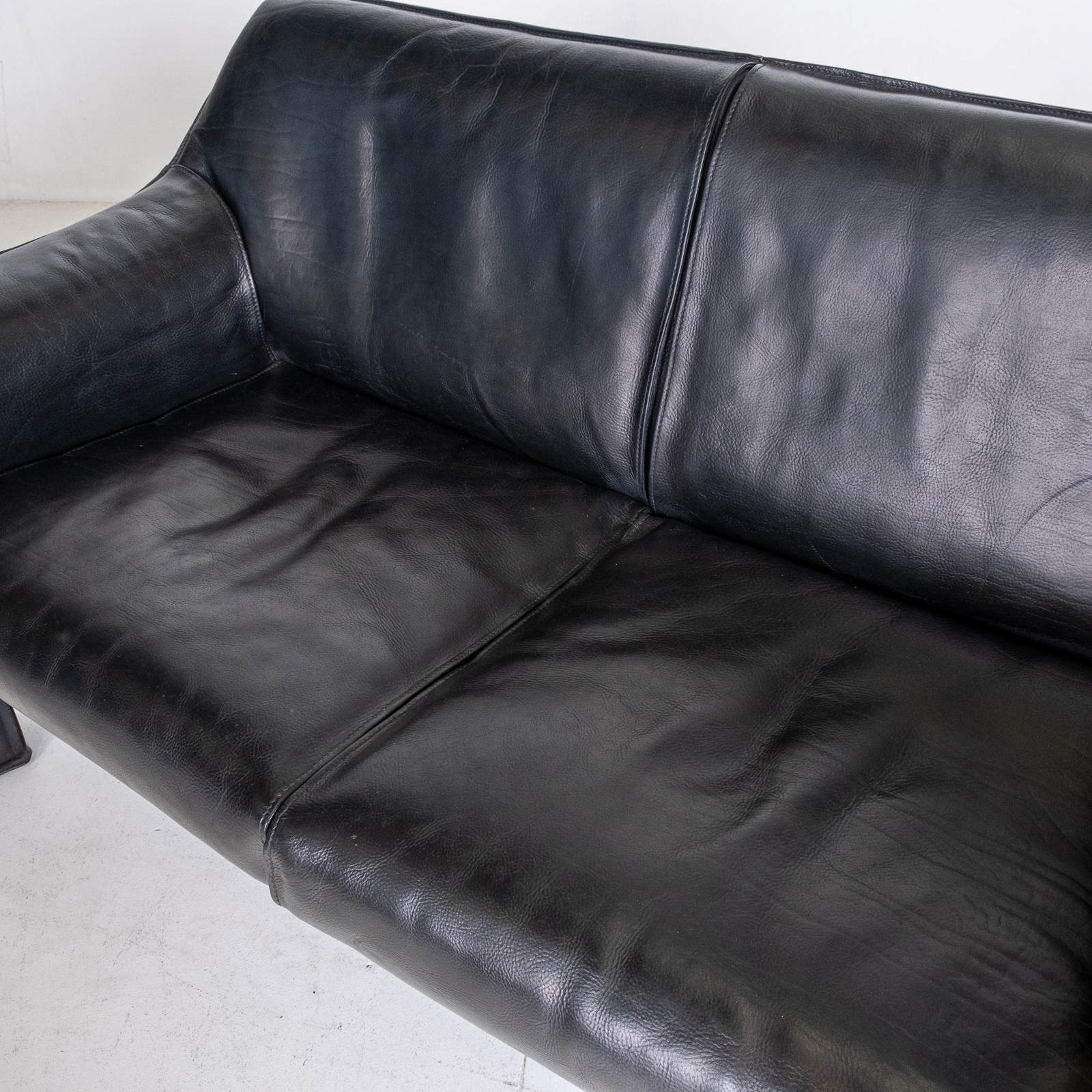 Model 415 Cab 2 Seat Sofa By Mario Bellini For Cassina In Black Leather, 1987, Italy 00009