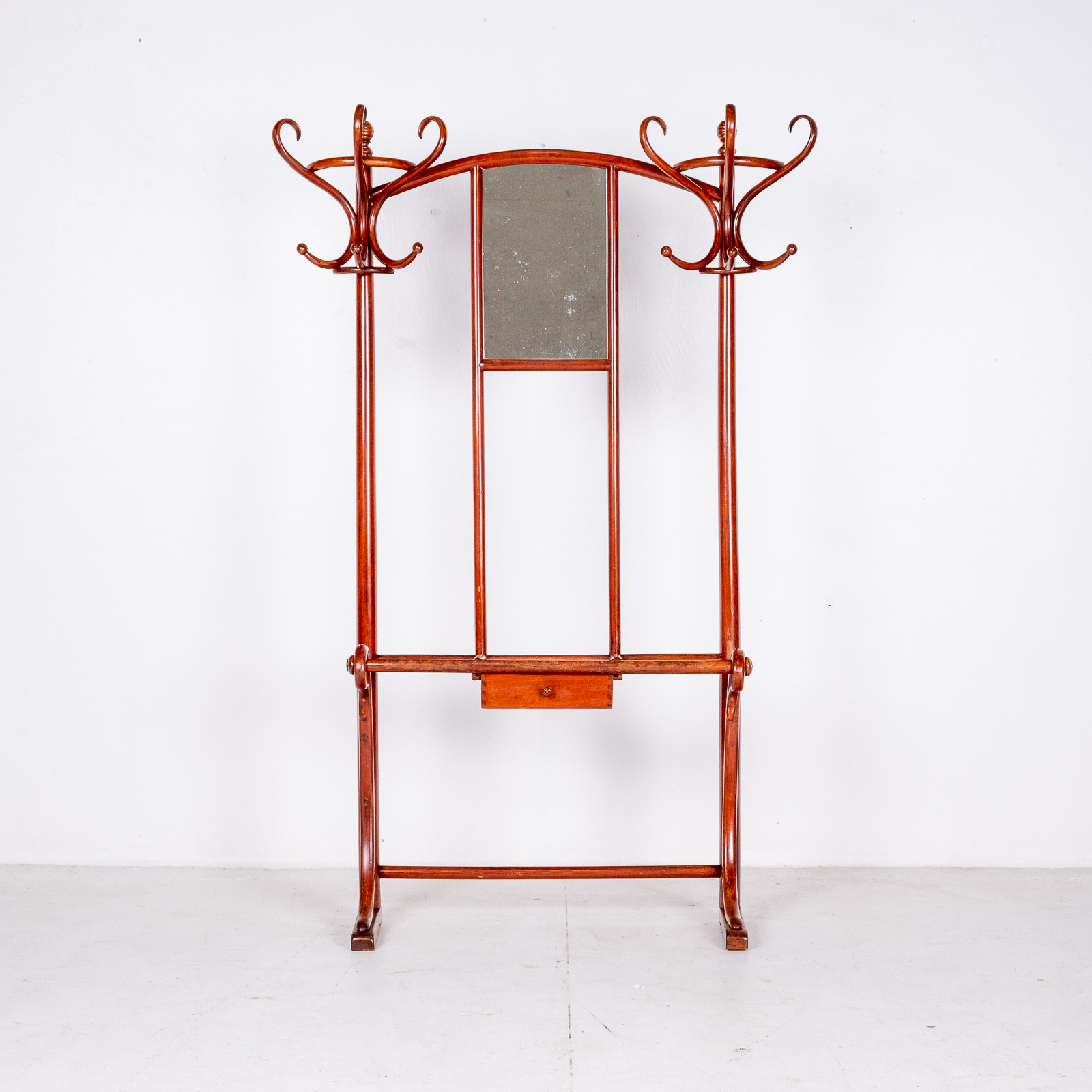Model No. 4 Coat Stand By Michael Thonet For Thonet, Vienna, 1910001