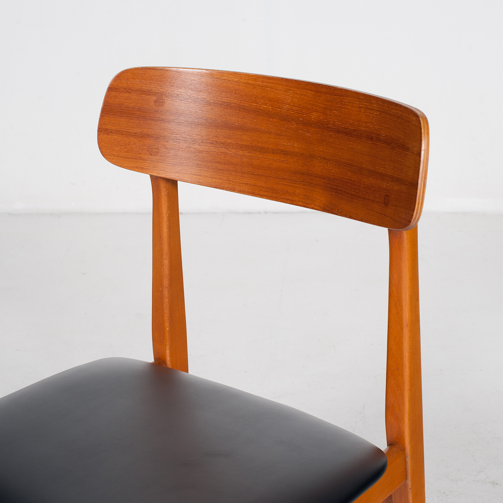 Set Of 4 Dining Chairs In Teak And Beech, 1960s, Denmark6