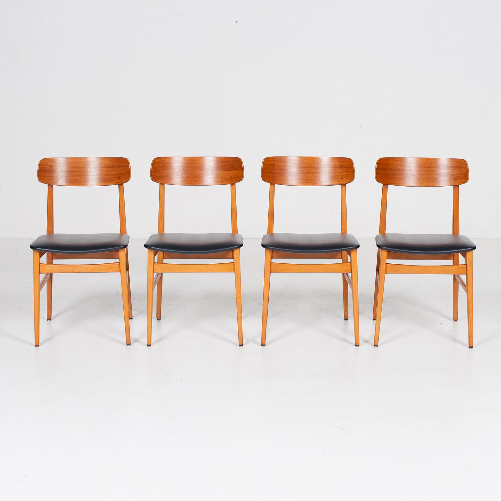 Set Of 4 Dining Chairs In Teak And Beech, 1960s, Denmark8