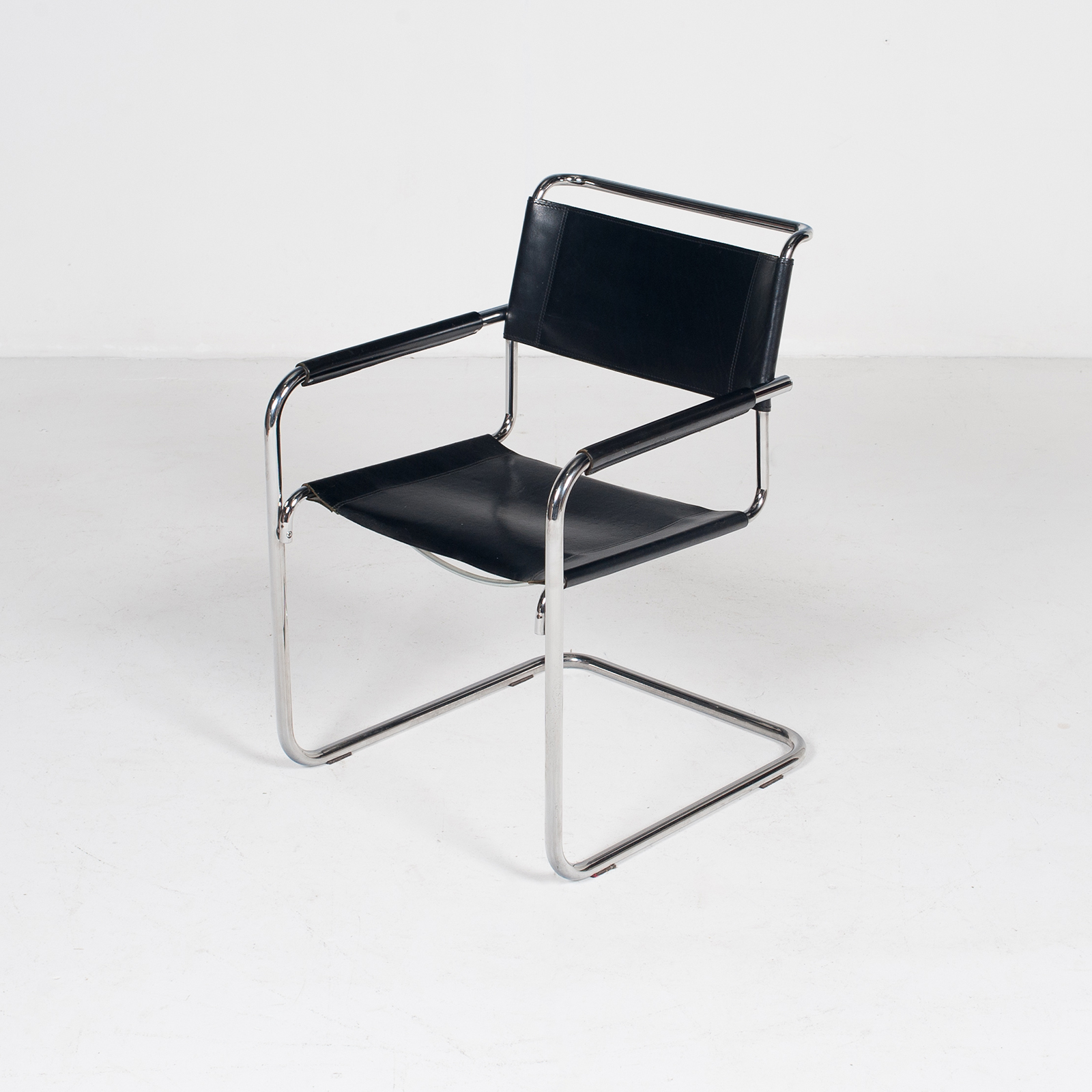 Set Of Four Cantilever Dining Chairs In Black Leather And Chrome By Mart Stam For Thonet, 1970s, The Netherlands 398