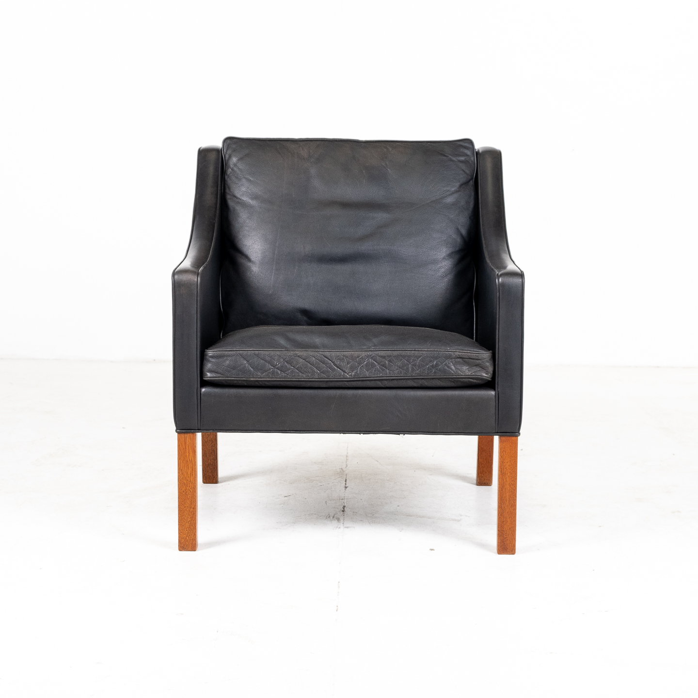 Model 2207 Armchair With Footstool Designed By Borge Mogensen For Fredericia Mobelfabrik In Black Leather, 1960s, Denmark 0000004