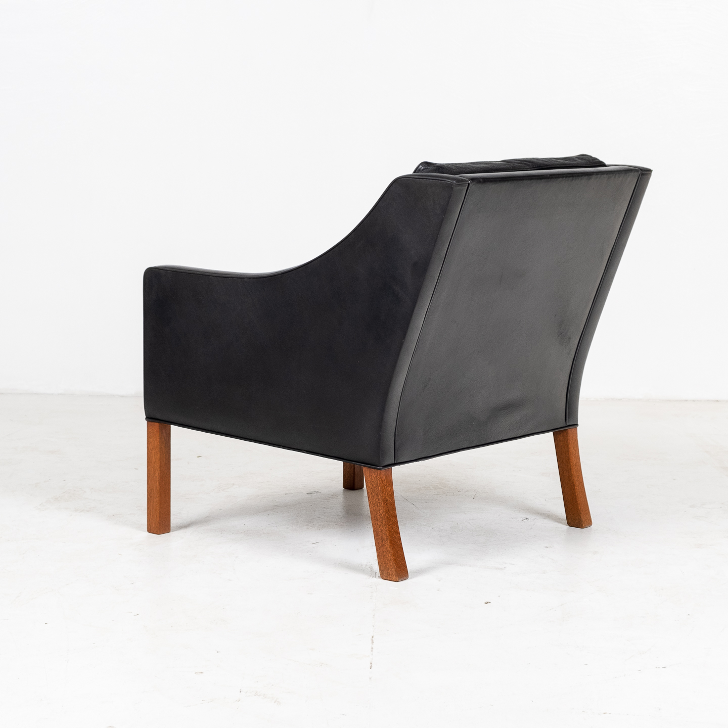 Model 2207 Armchair With Footstool Designed By Borge Mogensen For Fredericia Mobelfabrik In Black Leather, 1960s, Denmark 0000008