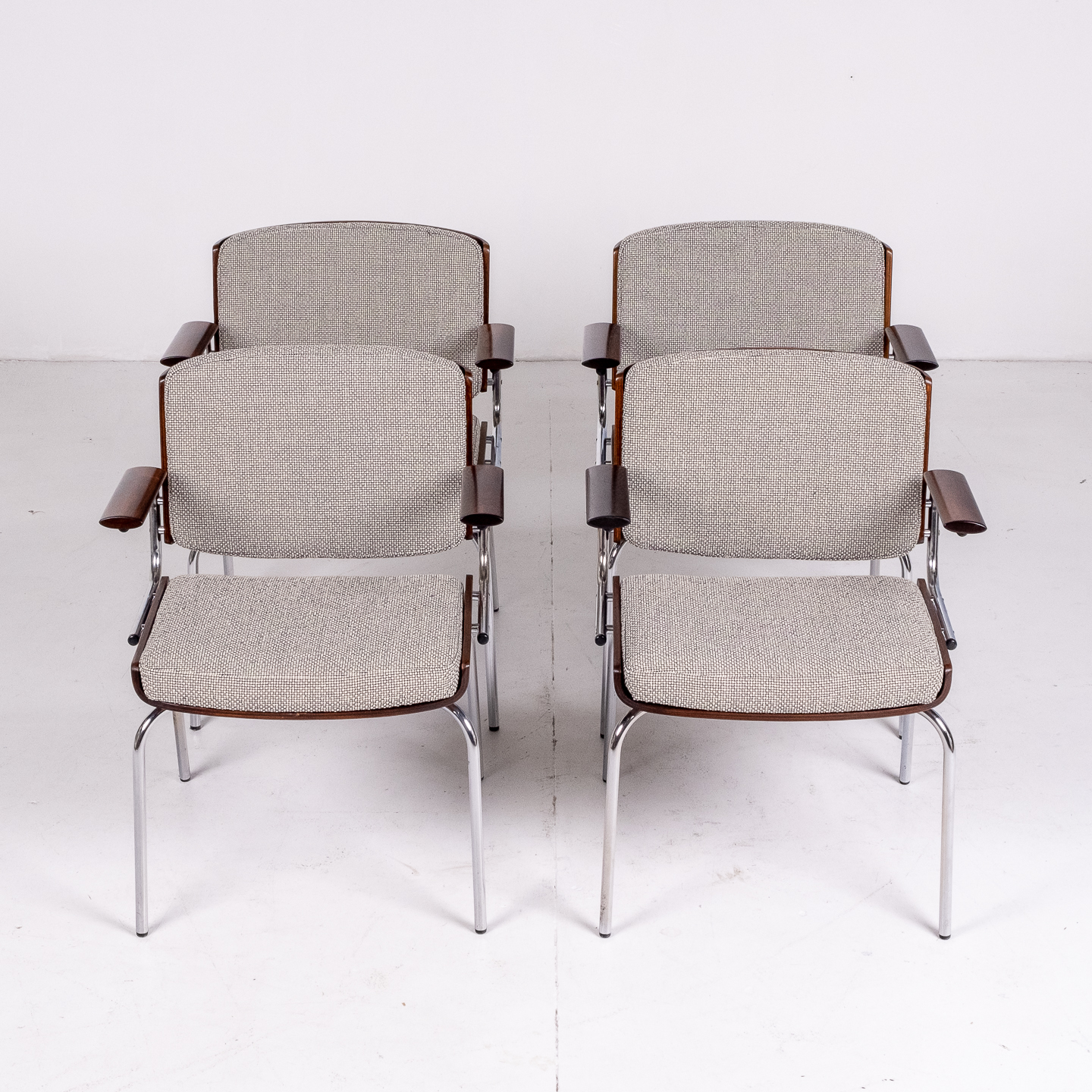 Set Of 4 Dining Chairs By Duba Mobelindustri In Rosewood, Chrome And New Kvadrat Upholstery, 1970s, Denmark 94