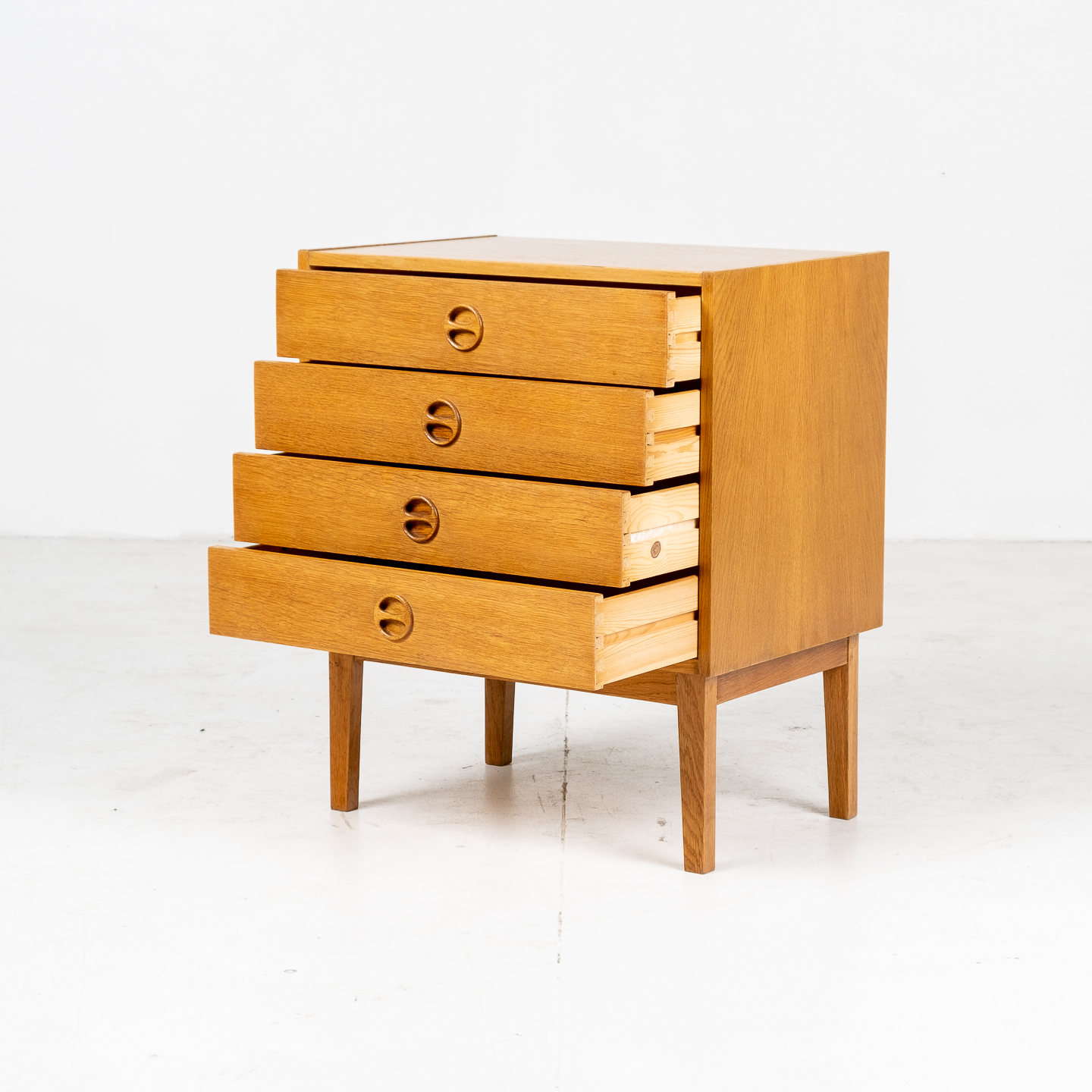 Small Chest Of Drawers In Oak With Solid Base, 1960s, Denmark05