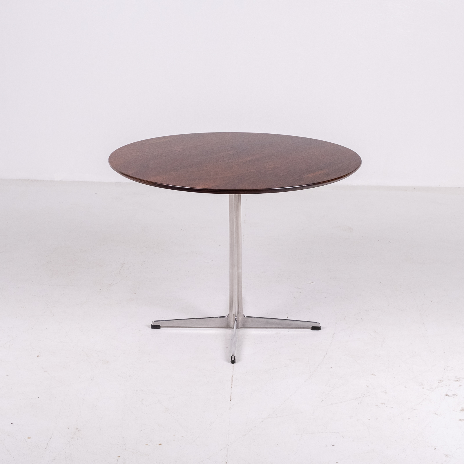 Cafe Table By Arne Jacobsen With Rosewood Top And Steel Pedestal Base, 1960s, Denmark 02