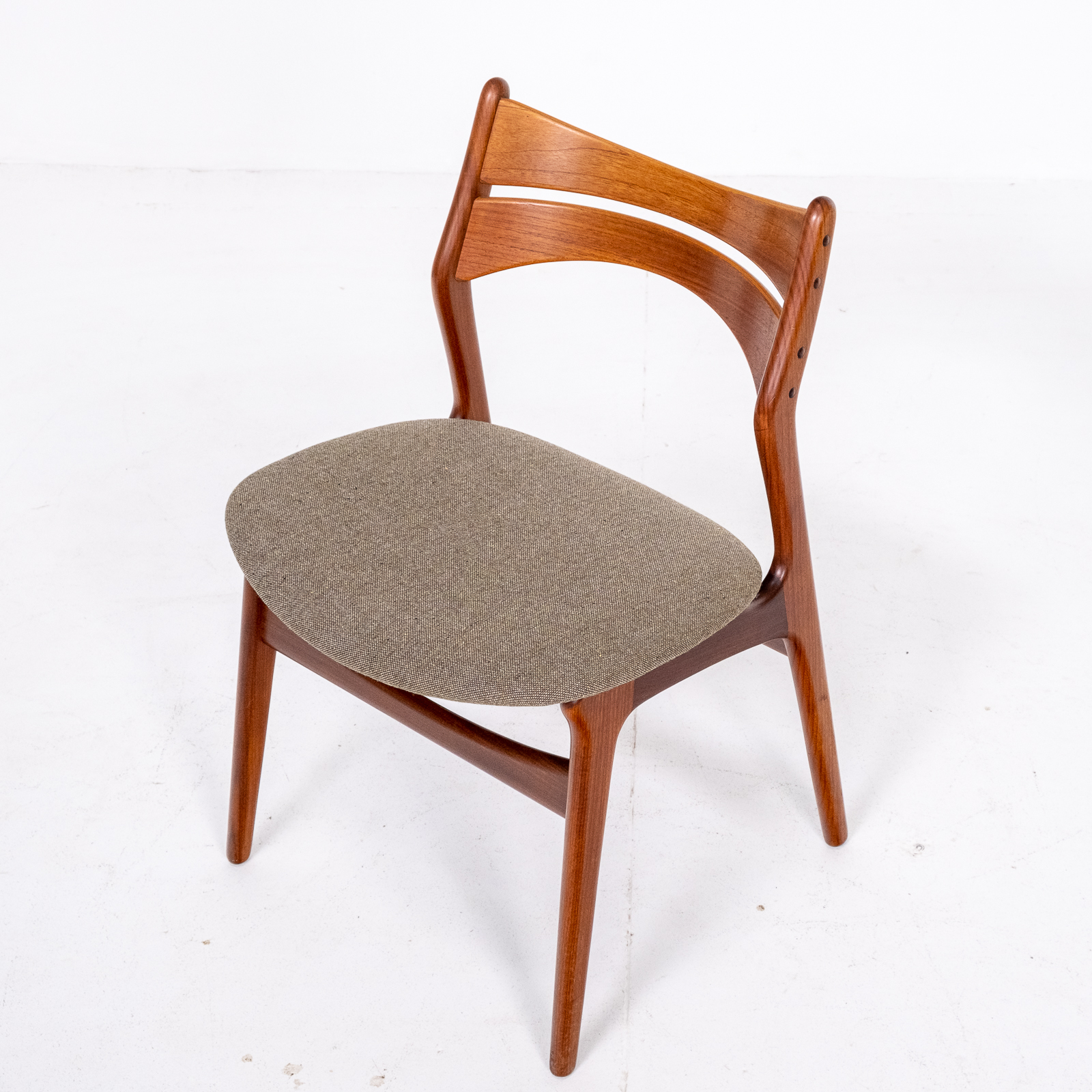Set Of 2 Model 130 Dining Chairs By Erik Buch For Christian Christensens Mobelfabrik In New Instyle Upholstery And Teak, 1960s, Denmark 04