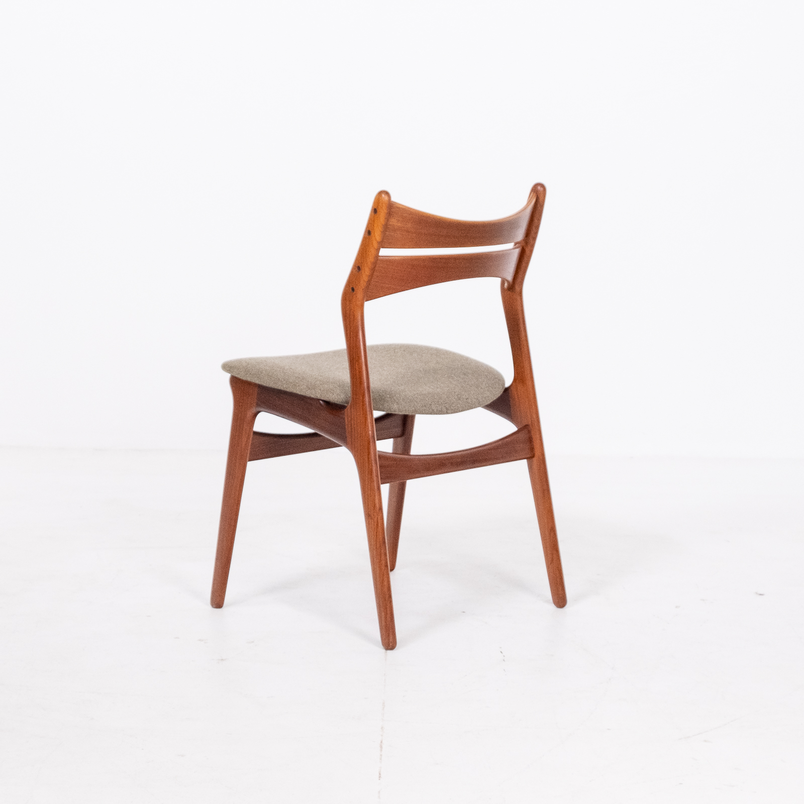 Set Of 2 Model 130 Dining Chairs By Erik Buch For Christian Christensens Mobelfabrik In New Instyle Upholstery And Teak, 1960s, Denmark 06