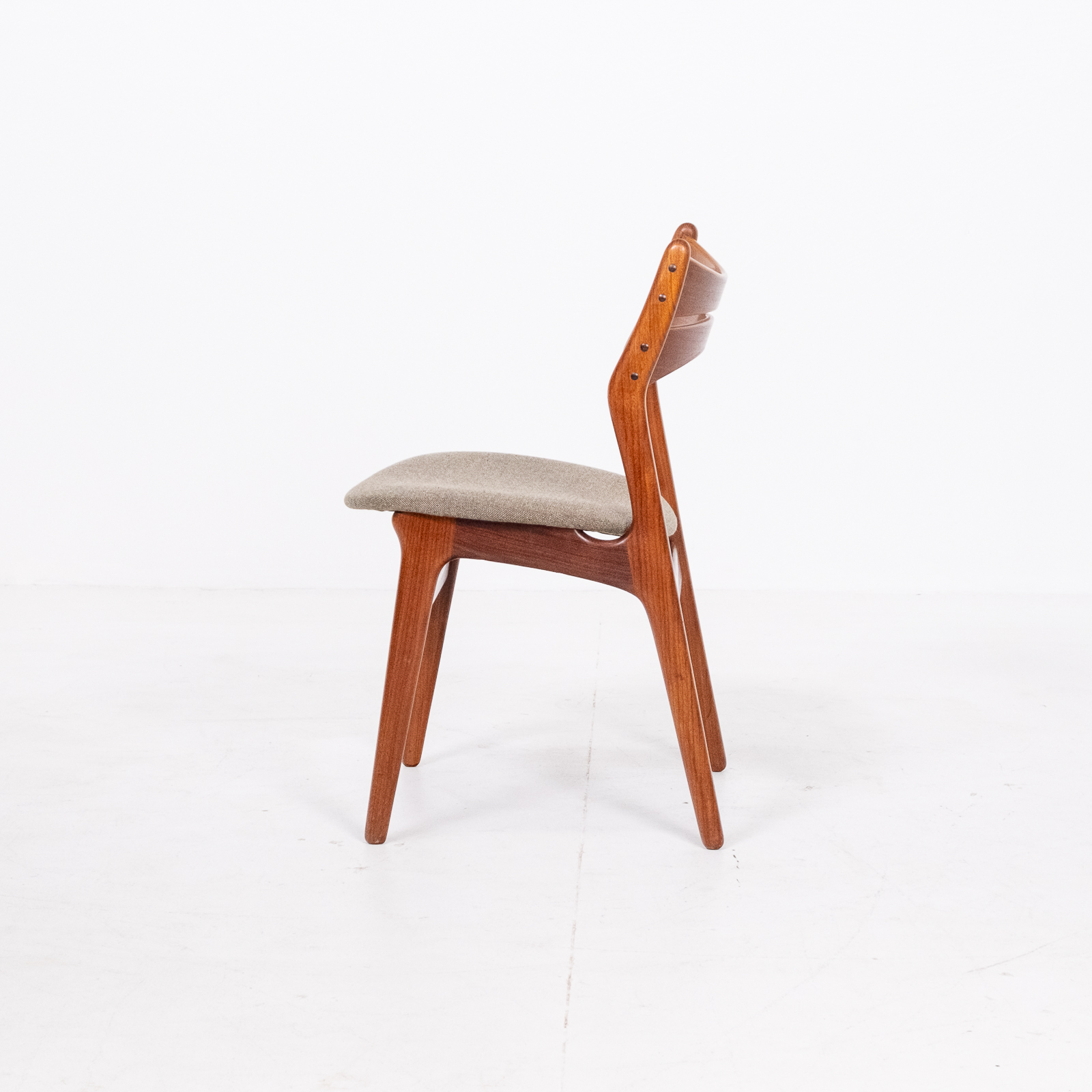 Set Of 2 Model 130 Dining Chairs By Erik Buch For Christian Christensens Mobelfabrik In New Instyle Upholstery And Teak, 1960s, Denmark 07