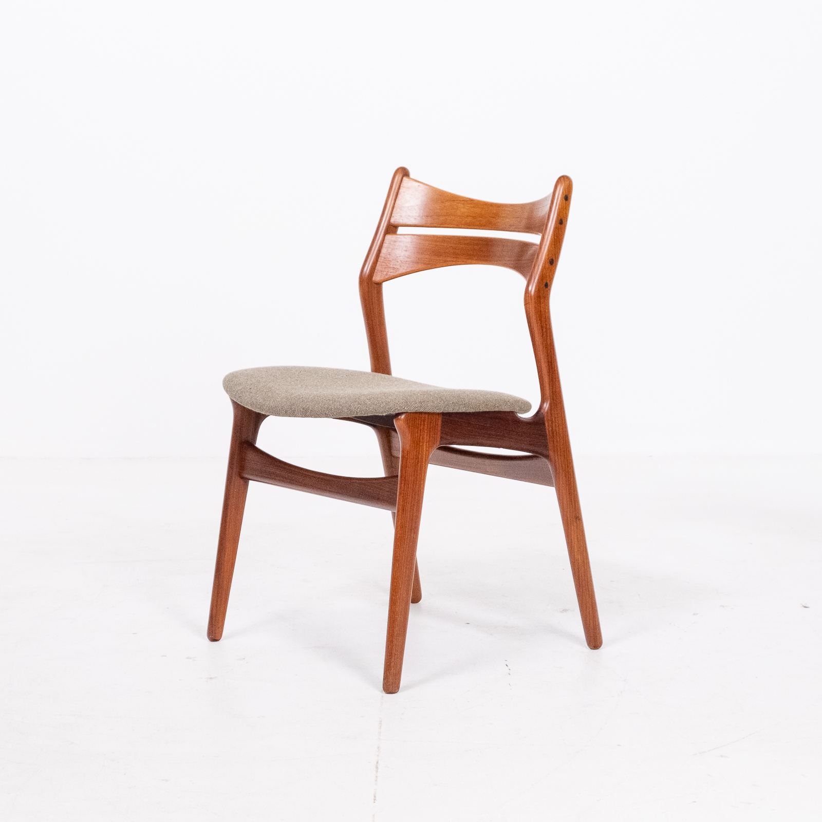 Set Of 2 Model 130 Dining Chairs By Erik Buch For Christian Christensens Mobelfabrik In New Instyle Upholstery And Teak, 1960s, Denmark 08
