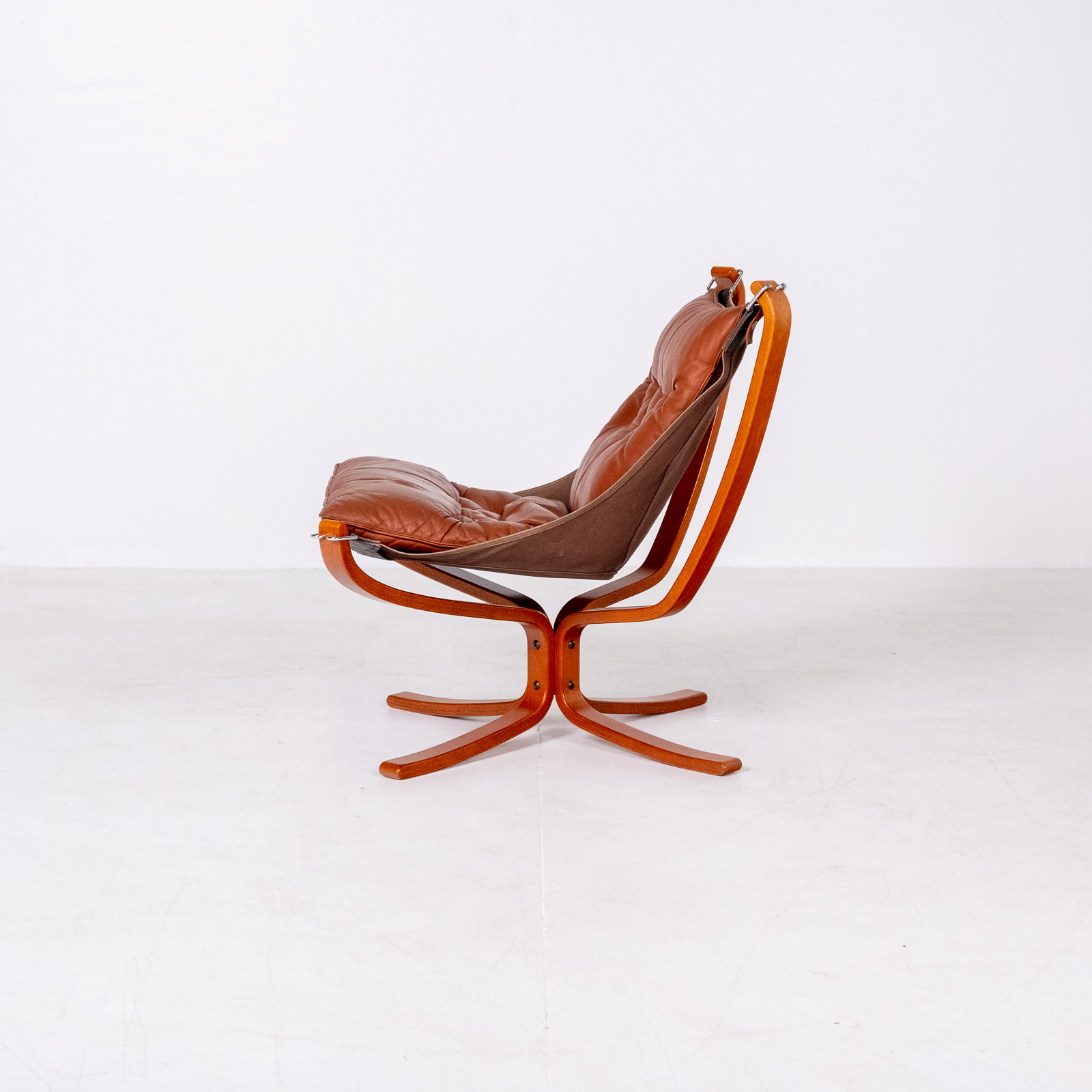 Low Back Falcon Armchair In Tan Leather By Sigurd Ressell For Vatne Mobler, 1971, Norway 04