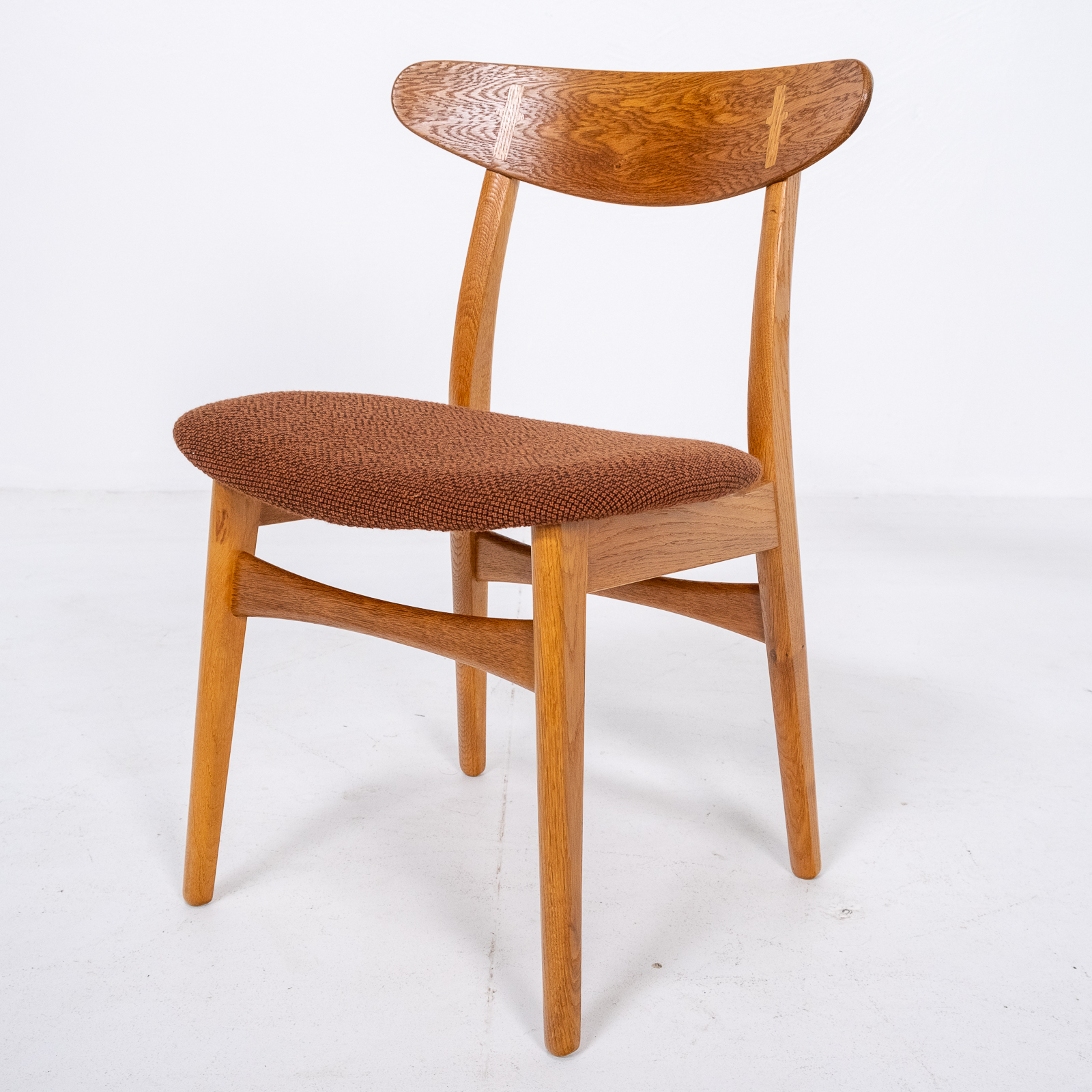 Set Of 4 Ch 30 Dining Chairs By Hans Wegner For Carl Hansen And Son In Oak And Kvadart Upholstery, 1950s, Denmark 03