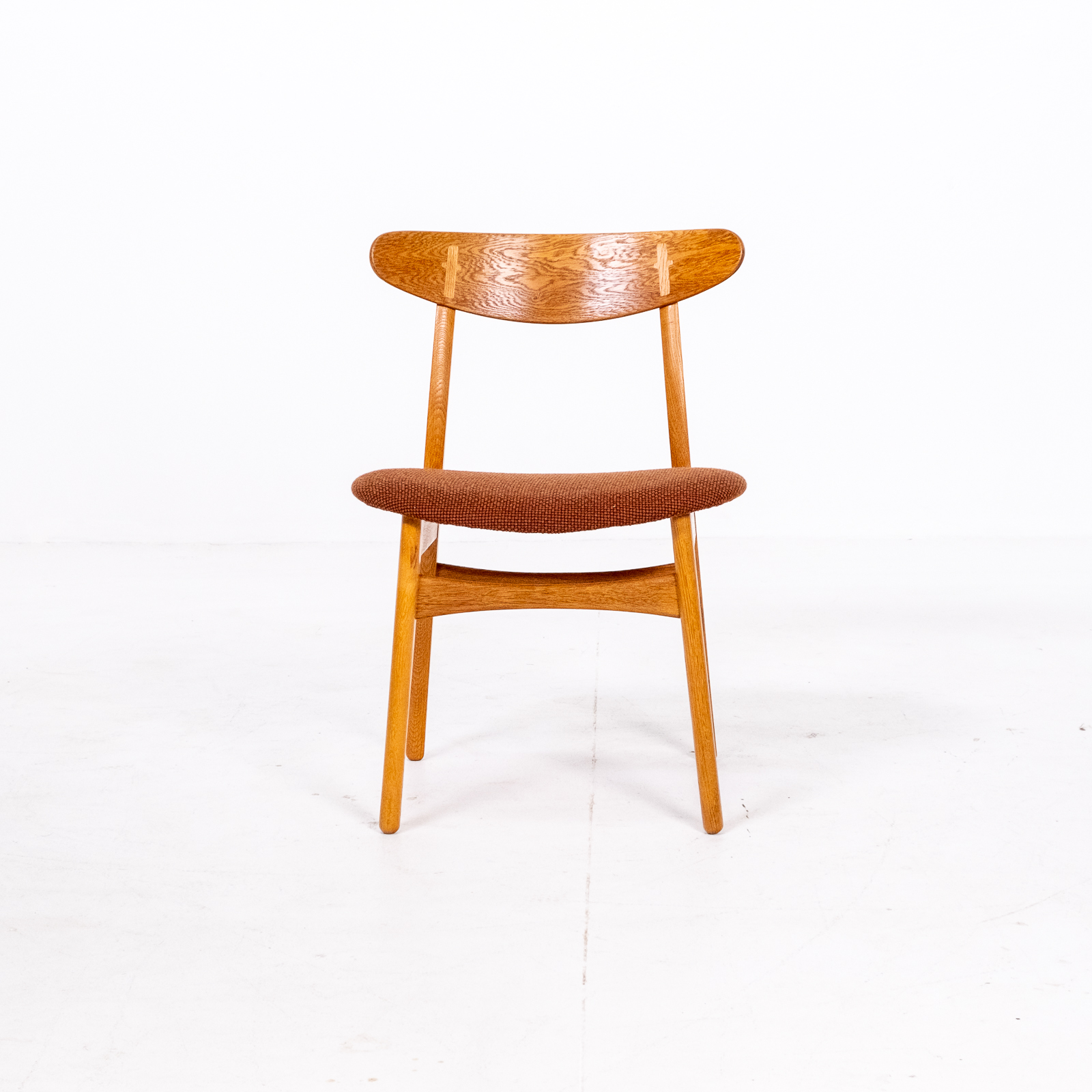 Set Of 4 Ch 30 Dining Chairs By Hans Wegner For Carl Hansen And Son In Oak And Kvadart Upholstery, 1950s, Denmark 09