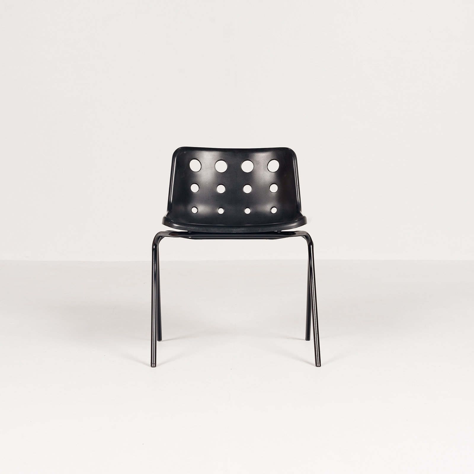 Polo Stacking Chair By Robin Day In Black Polyproylene, 1970s, England5879