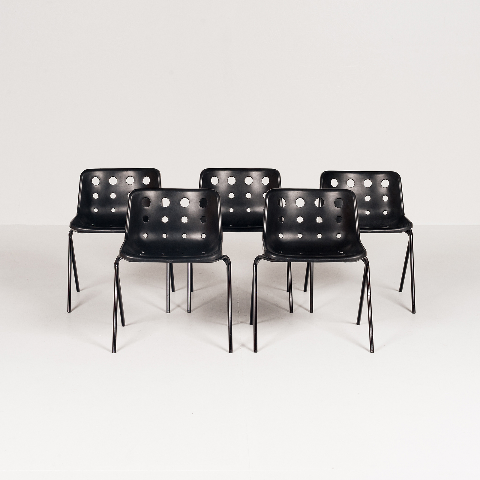 Polo Stacking Chair By Robin Day In Black Polyproylene, 1970s, England5886